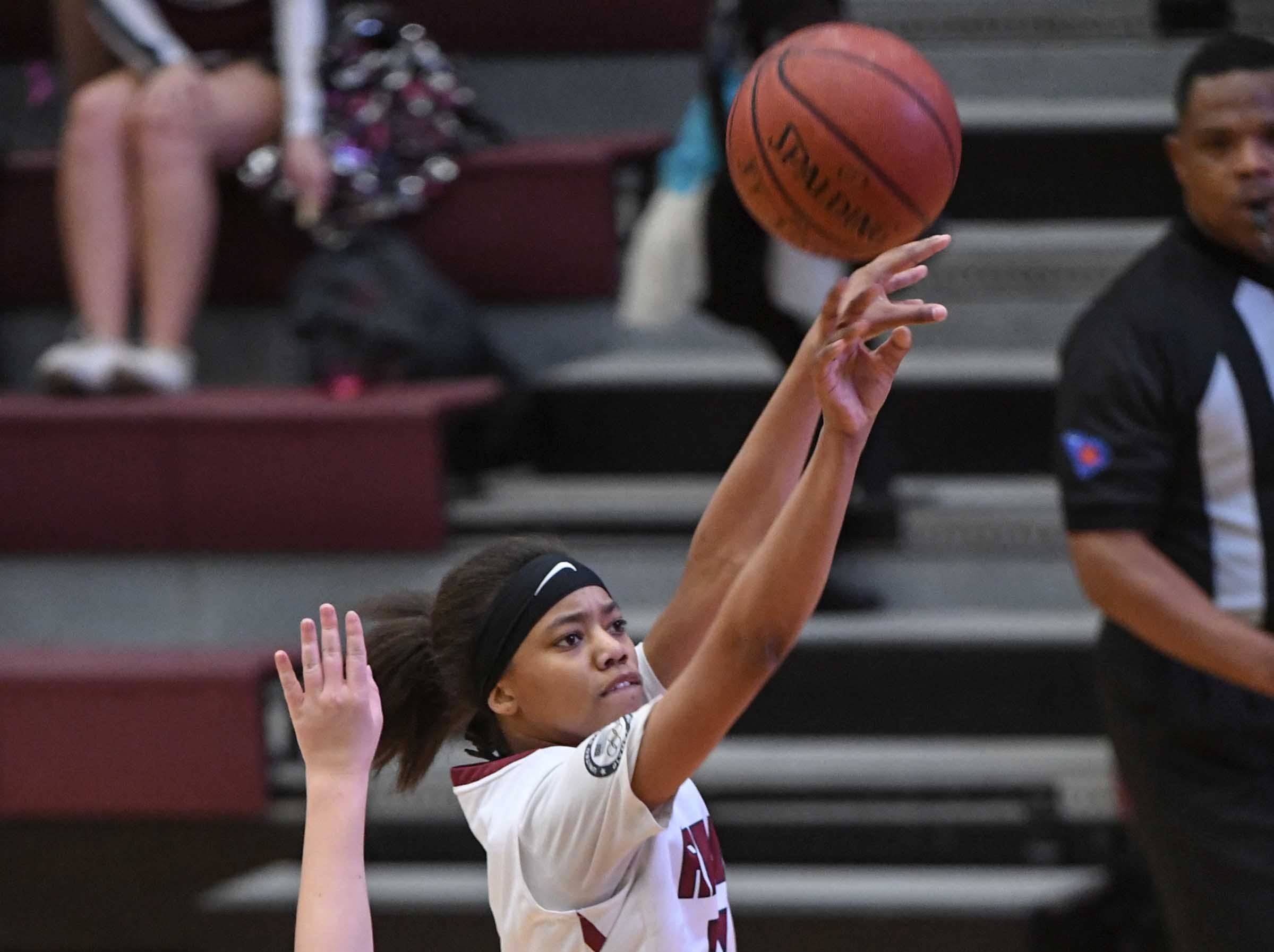 Westside sophomore Khia Pickens(13) shoots during the third quarter at Westside High School in Anderson on Friday.