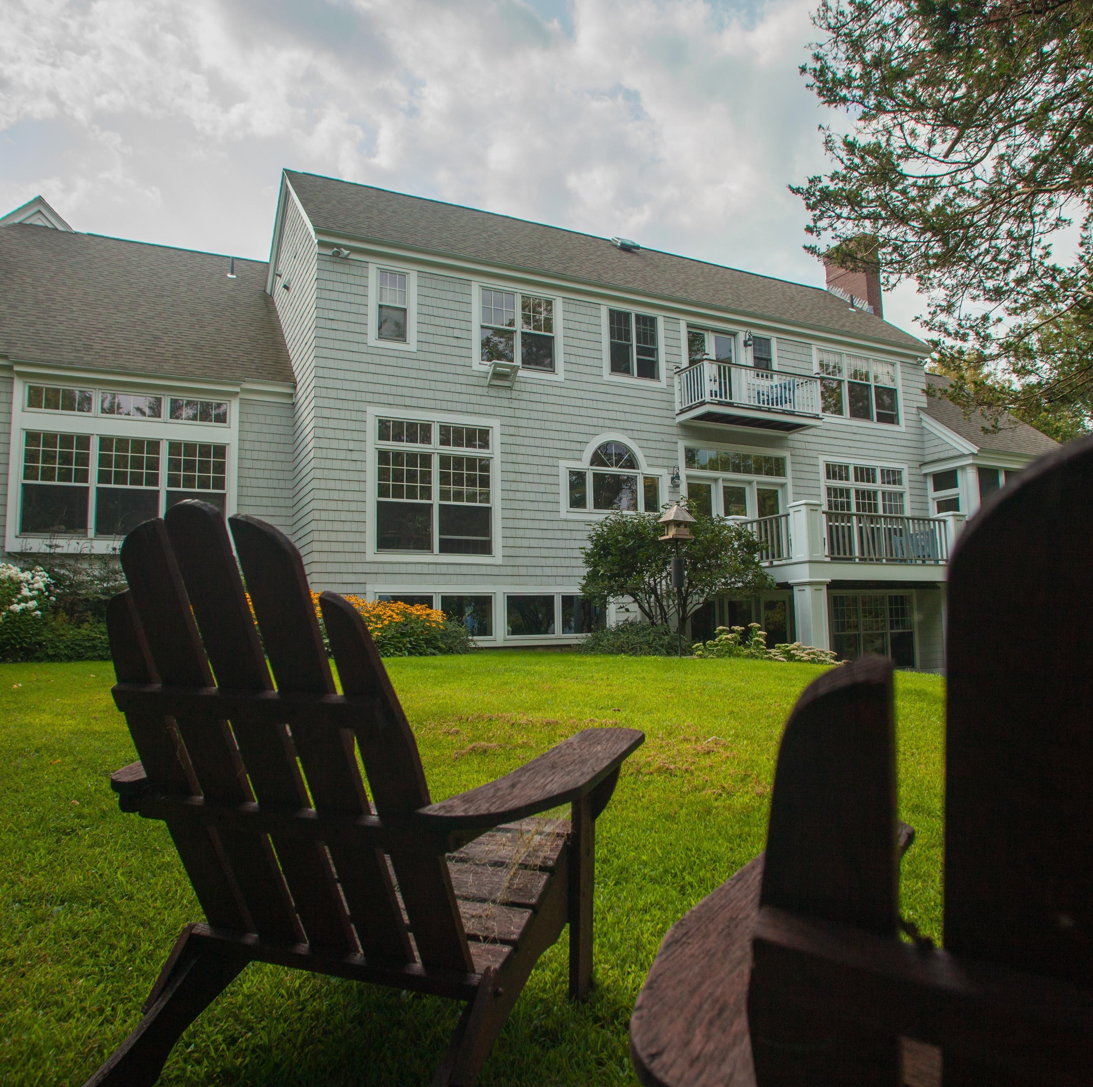 Charlotte ranks No. 1 in Vermont income