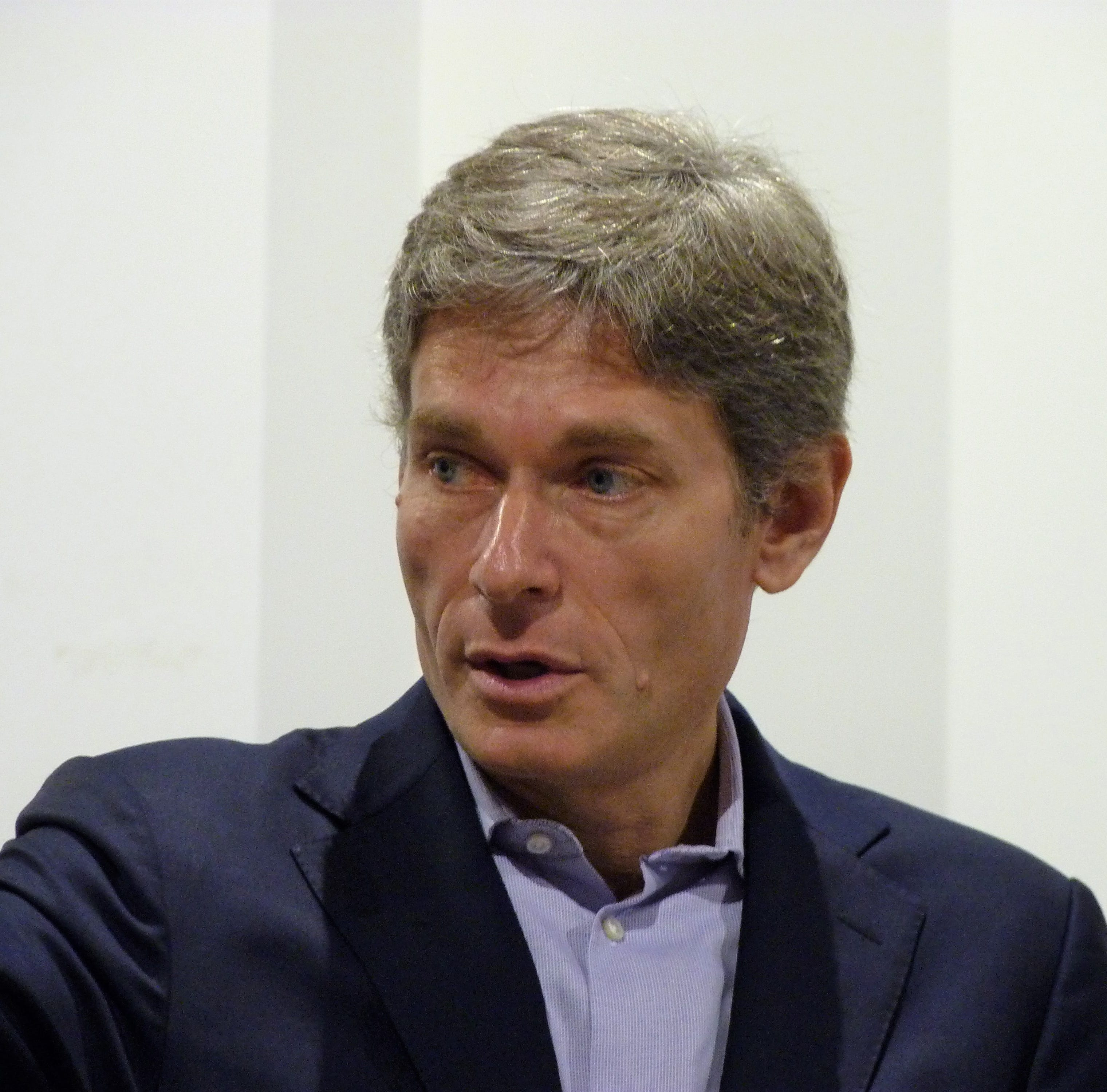 District 7 Congressman-elect Tom Malinowski stresses bipartisanship at Somerville event