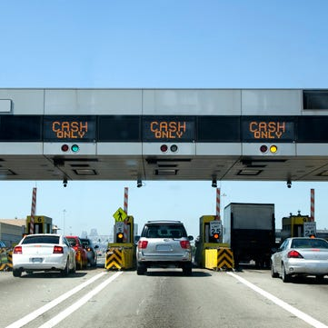 Michigan woman dies after being crushed at Indiana tollbooth