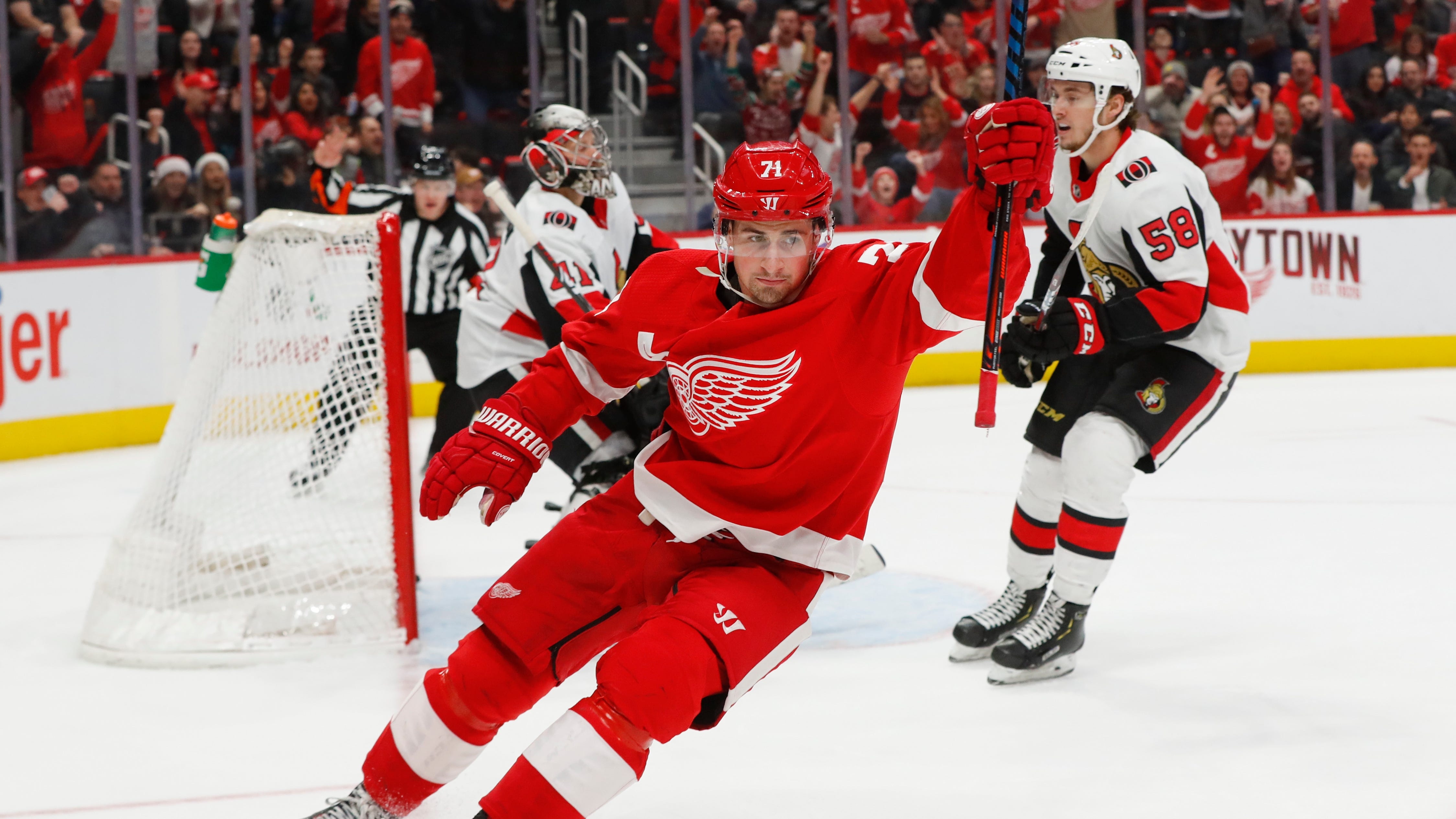A0827c3b-be96-4073-aa3d-17e6435bf62f-ap_senators_red_wings_hockey
