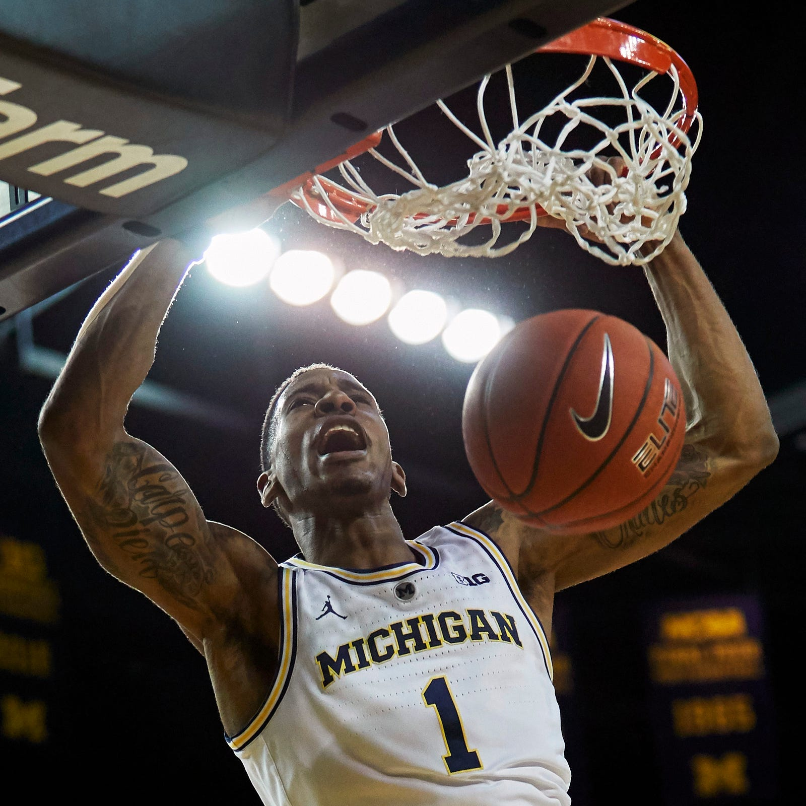 Michigan basketball shakes off early slump to top Western Michigan, 70-62