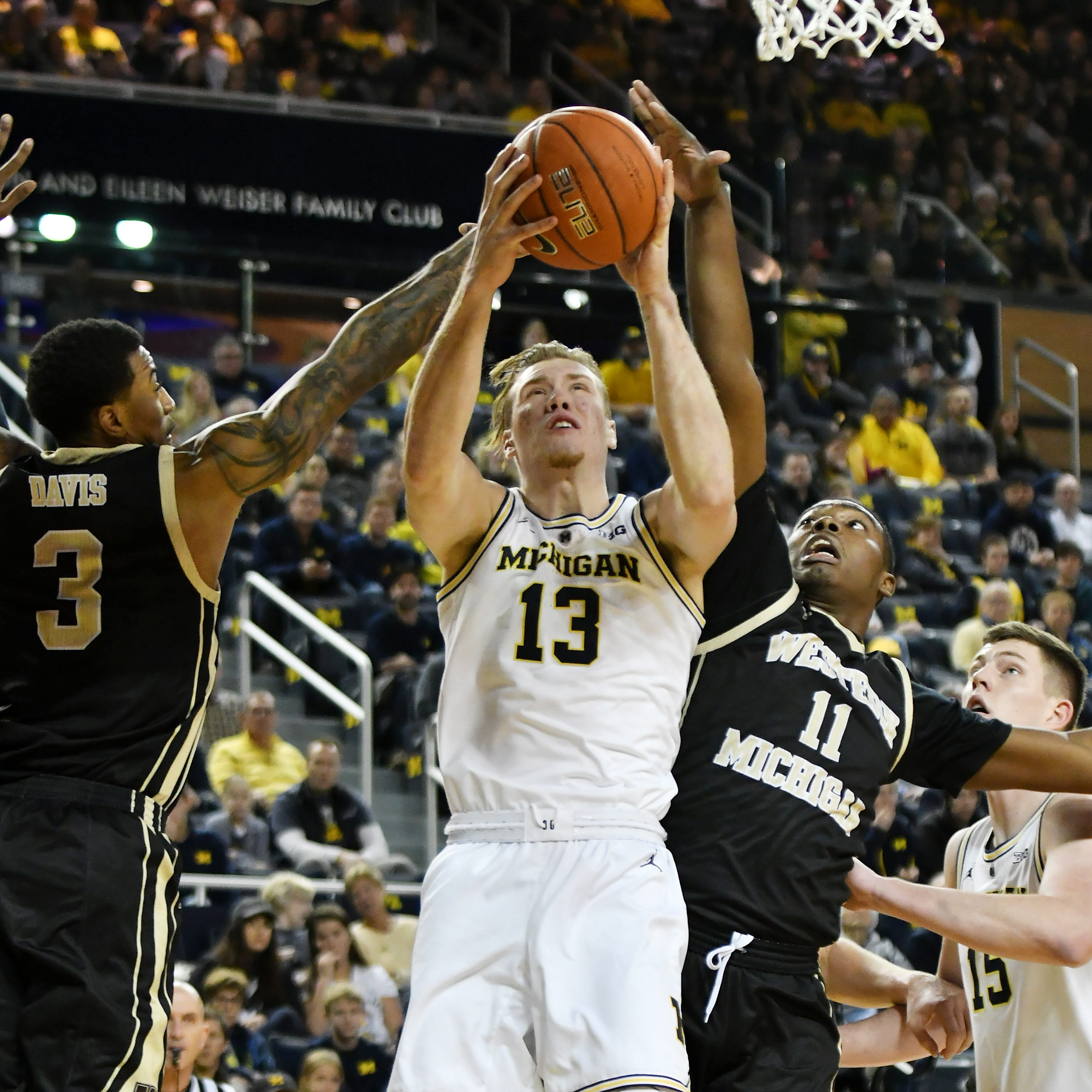 Davis proves to be right call for Beilein in Michigan victory