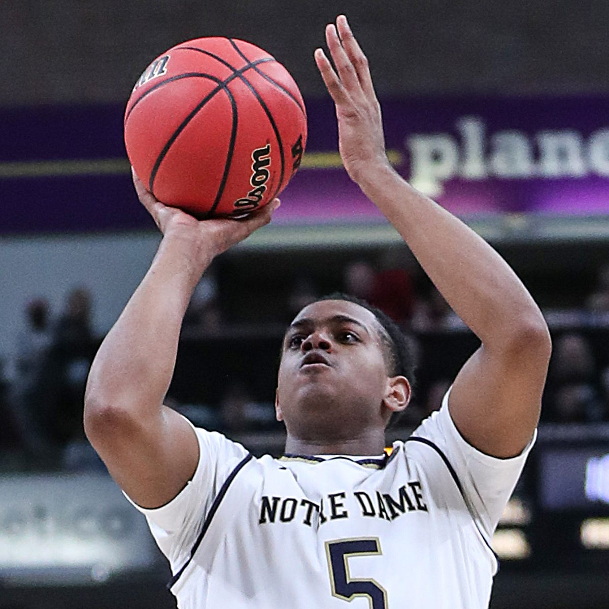 Notre Dame guard D.J. Harvey transferring to Vanderbilt basketball; Jerry Stackhouse reshaping roster