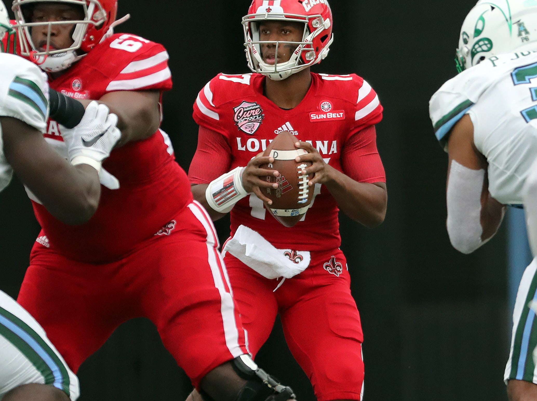 Dec 15, 2018; Orlando, FL, USA; Louisiana-Lafayette Ragin Cajuns quarterback Levi Lewis (17) prepares to throw the ball during the first half at Camping World Stadium. Mandatory Credit: Kim Klement-USA TODAY Sports