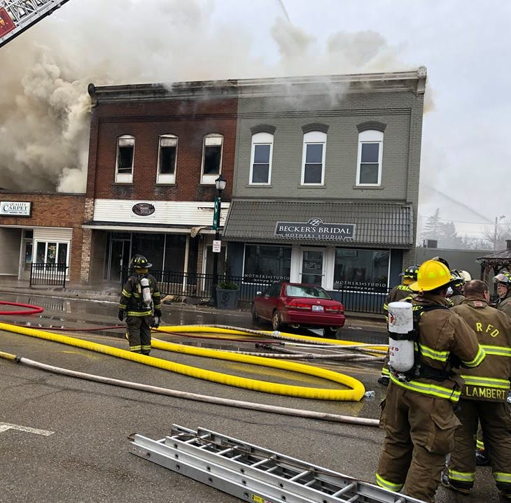 Departments battle structure fire in downtown Fowler