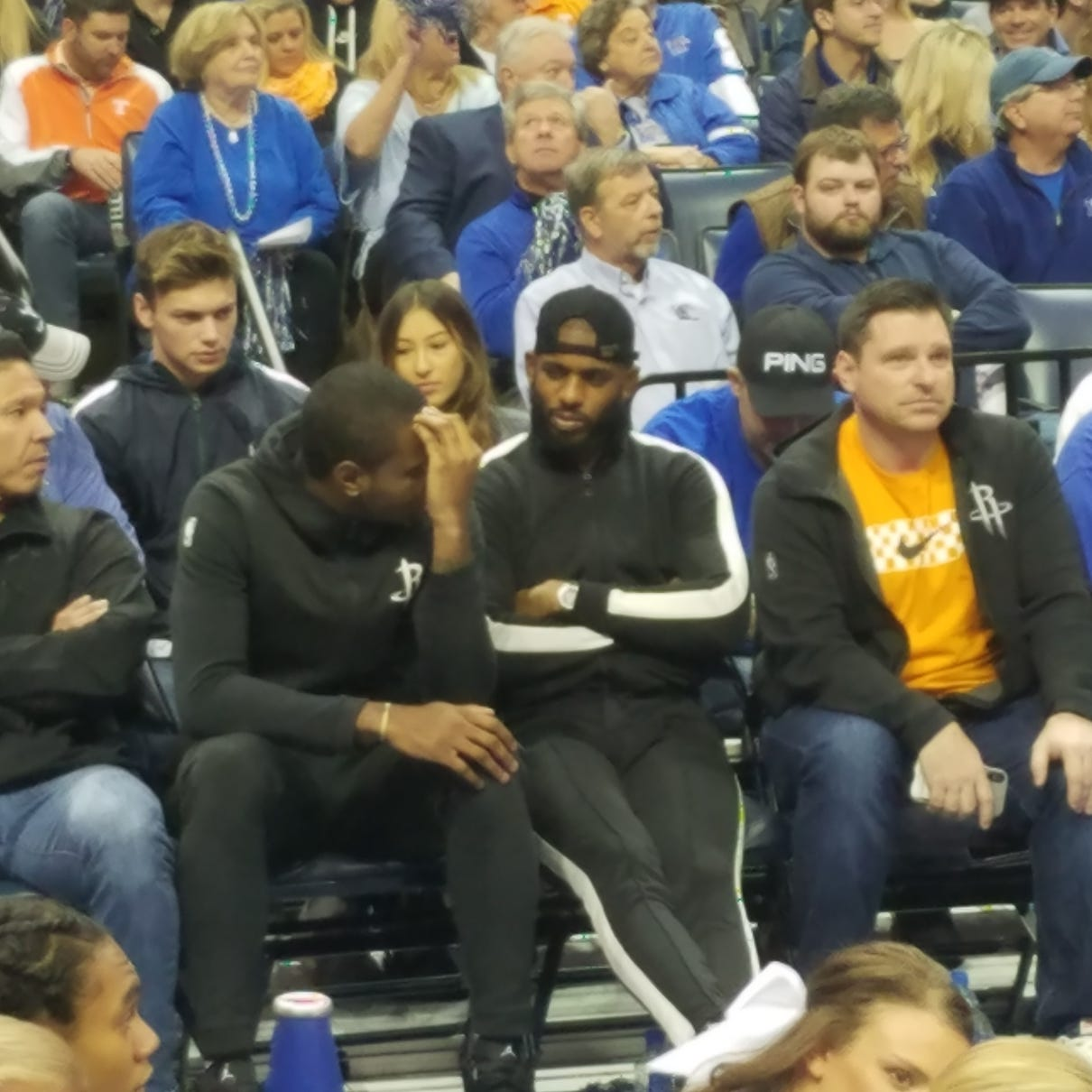 Chris Paul gets front-row seat for the UT Vols-Memphis basketball game