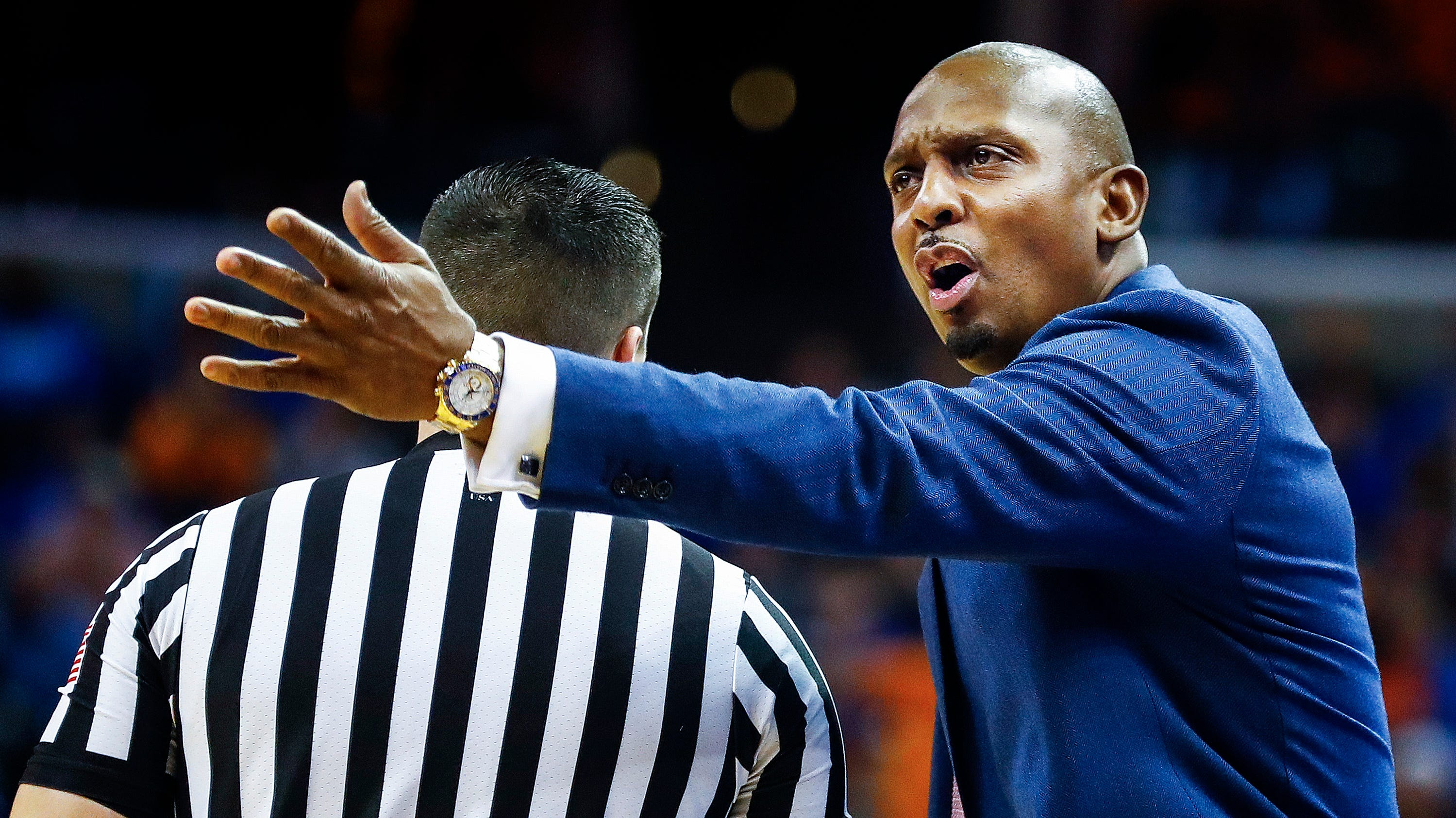 Memphis head coach Penny Hardaway during action...