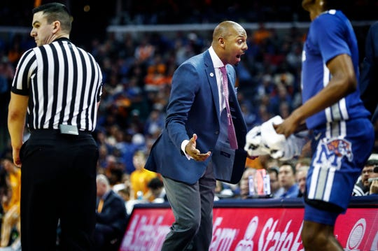 Memphis head coach Penny Hardaway (middle) during action against Tennessee at the FedExForum, Saturday, December 15, 2018.
