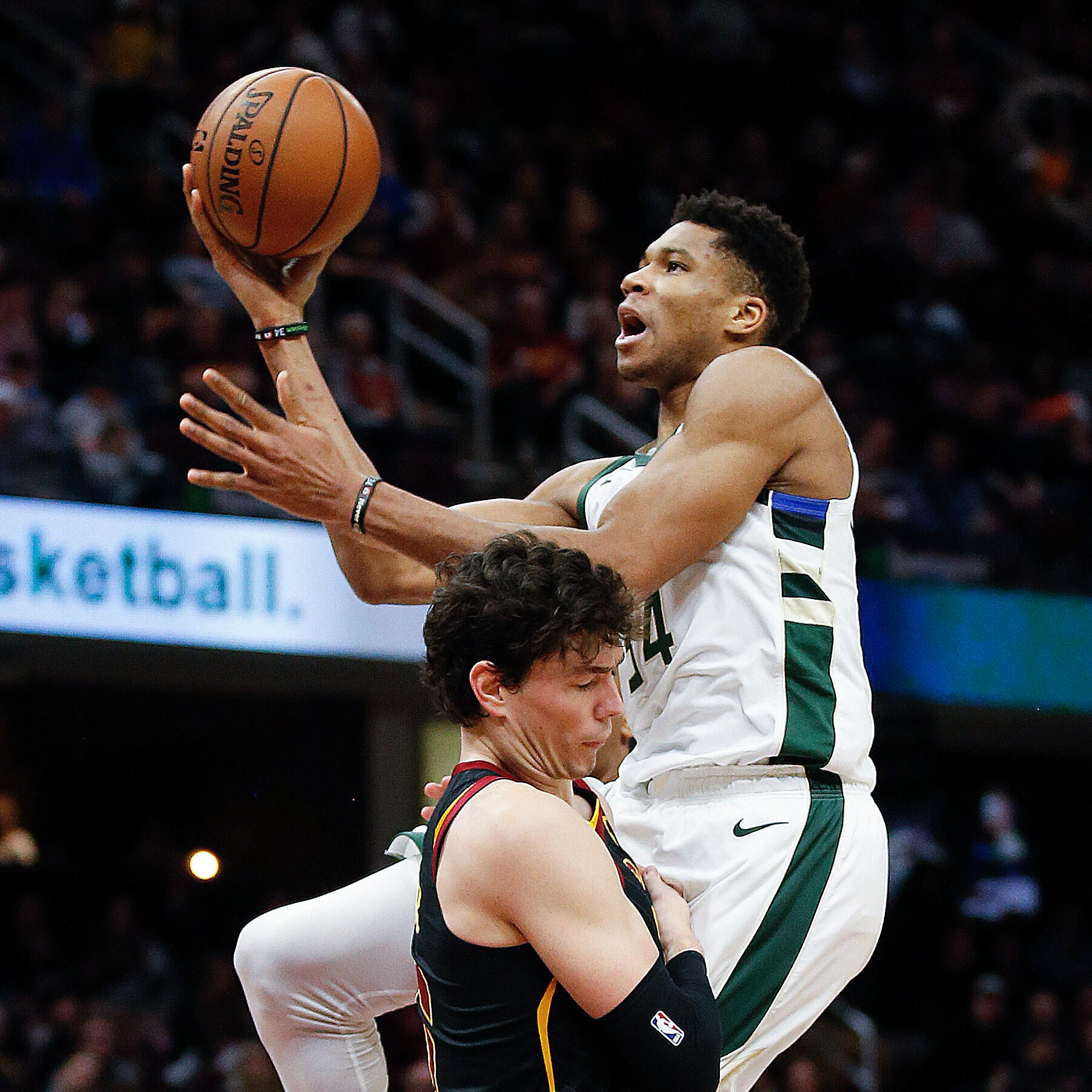 Bucks 114, Cavaliers 102: It's all Giannis, right from the opening dunk