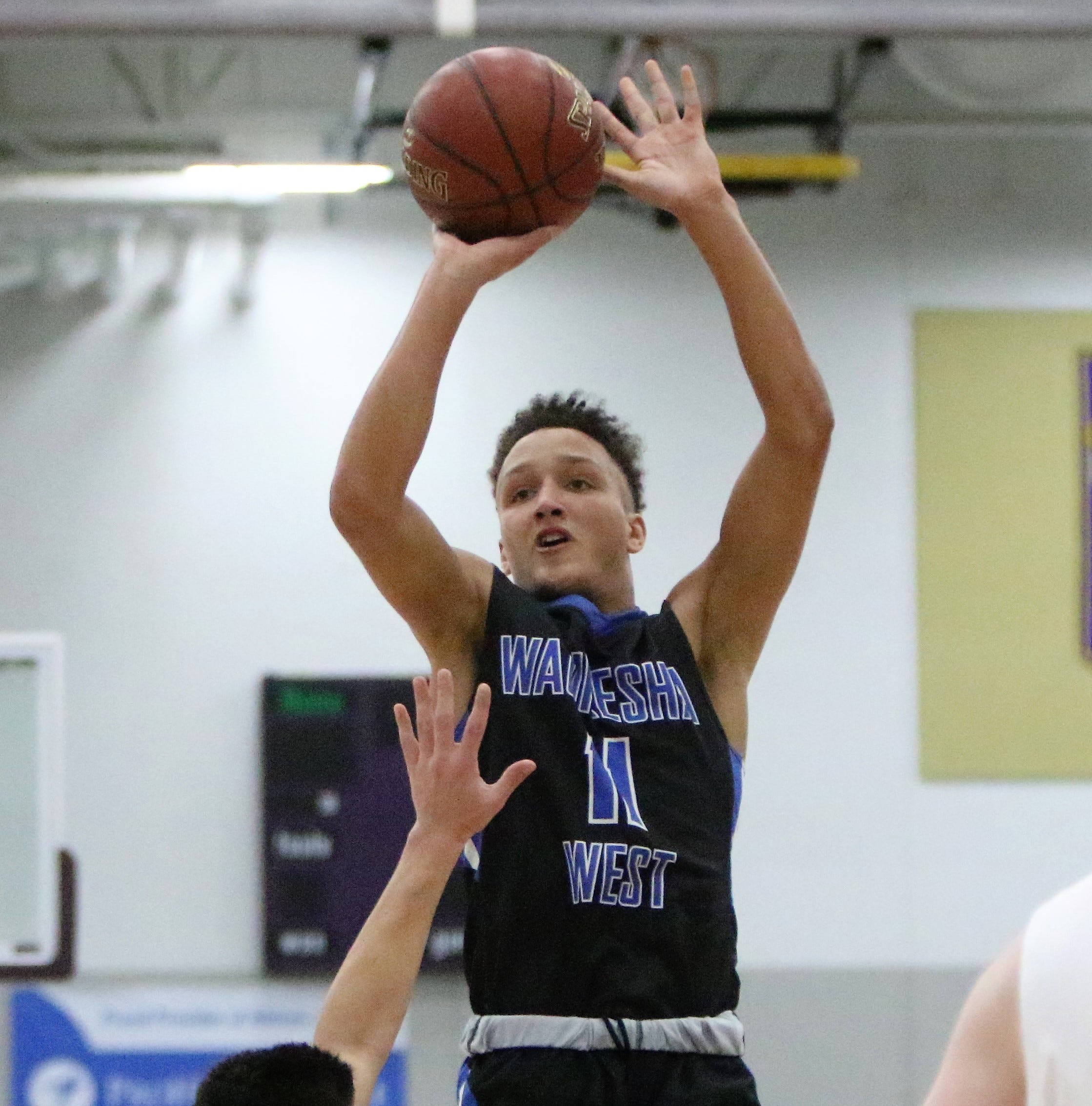 A 20-20 performance from Nicolet's Jalen Johnson, and the rest of the area boys basketball top 10