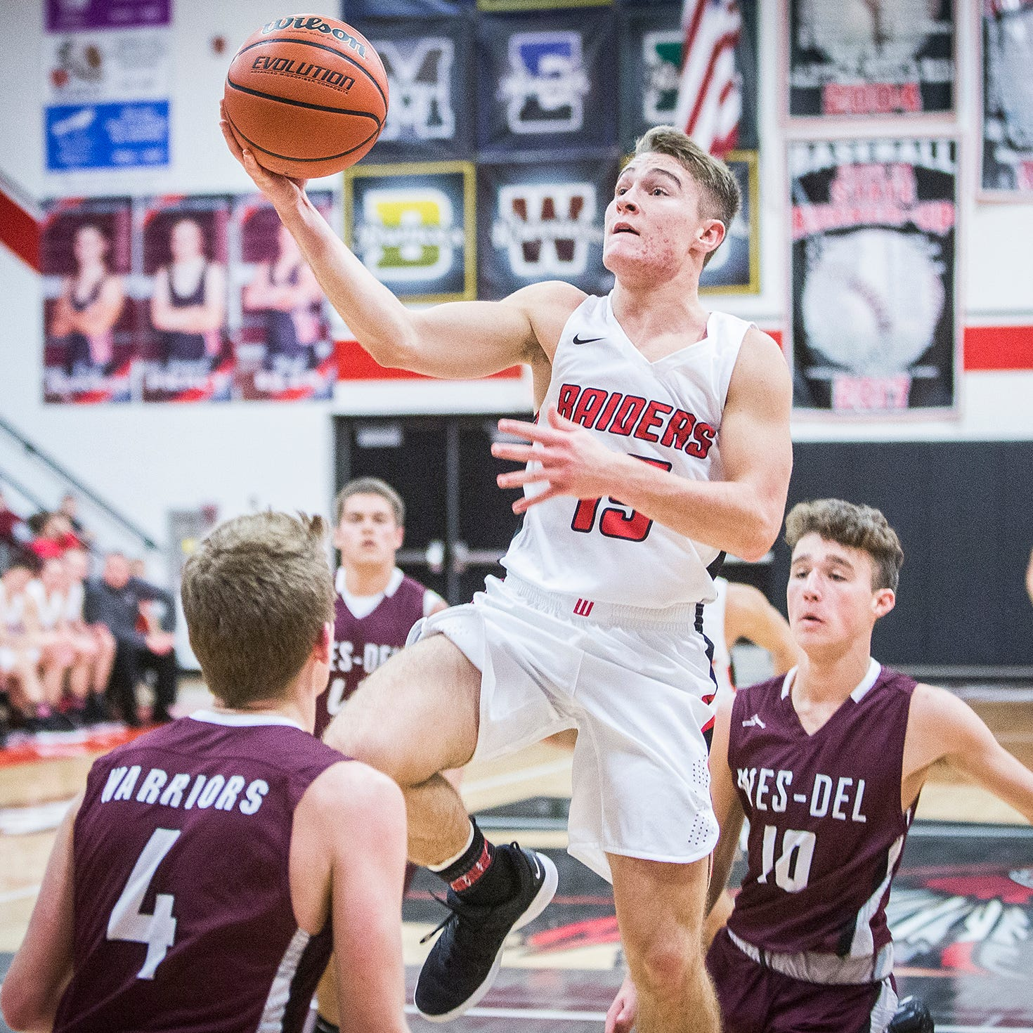 Wapahani clicking early behind its senior point guard