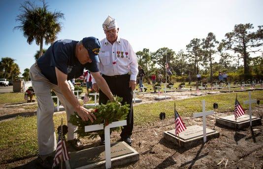 lede_Ndn 1216 Veterans Cemetery Folo