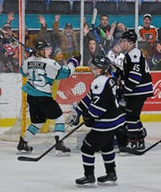 The Shreveport Mudbugs and Lone Star Brahmas close out the regular season with a crucial two-game series in Texas this weekend.
