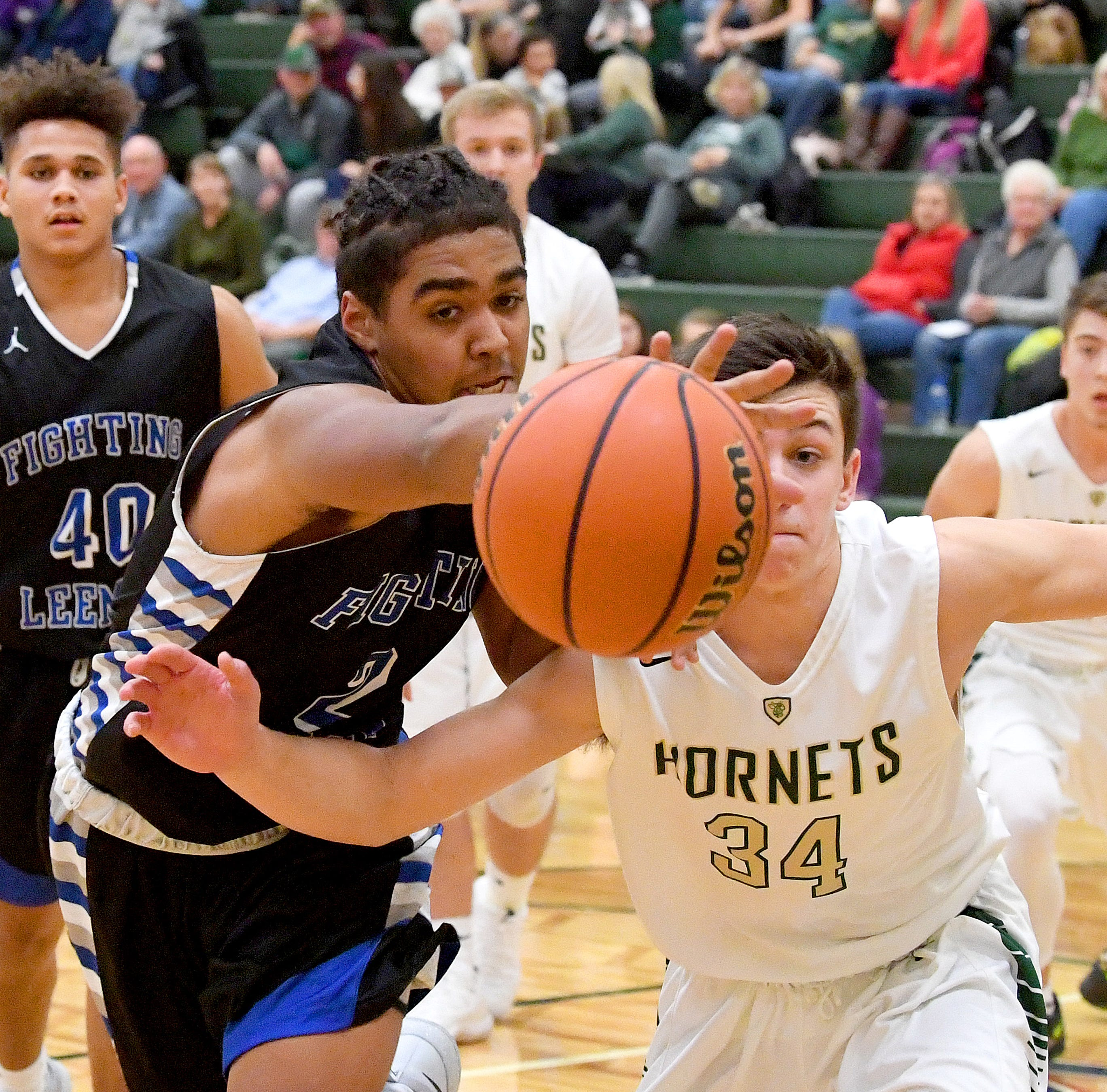 Gallery: R.E. Lee battles Wilson Memorial - boys basketball