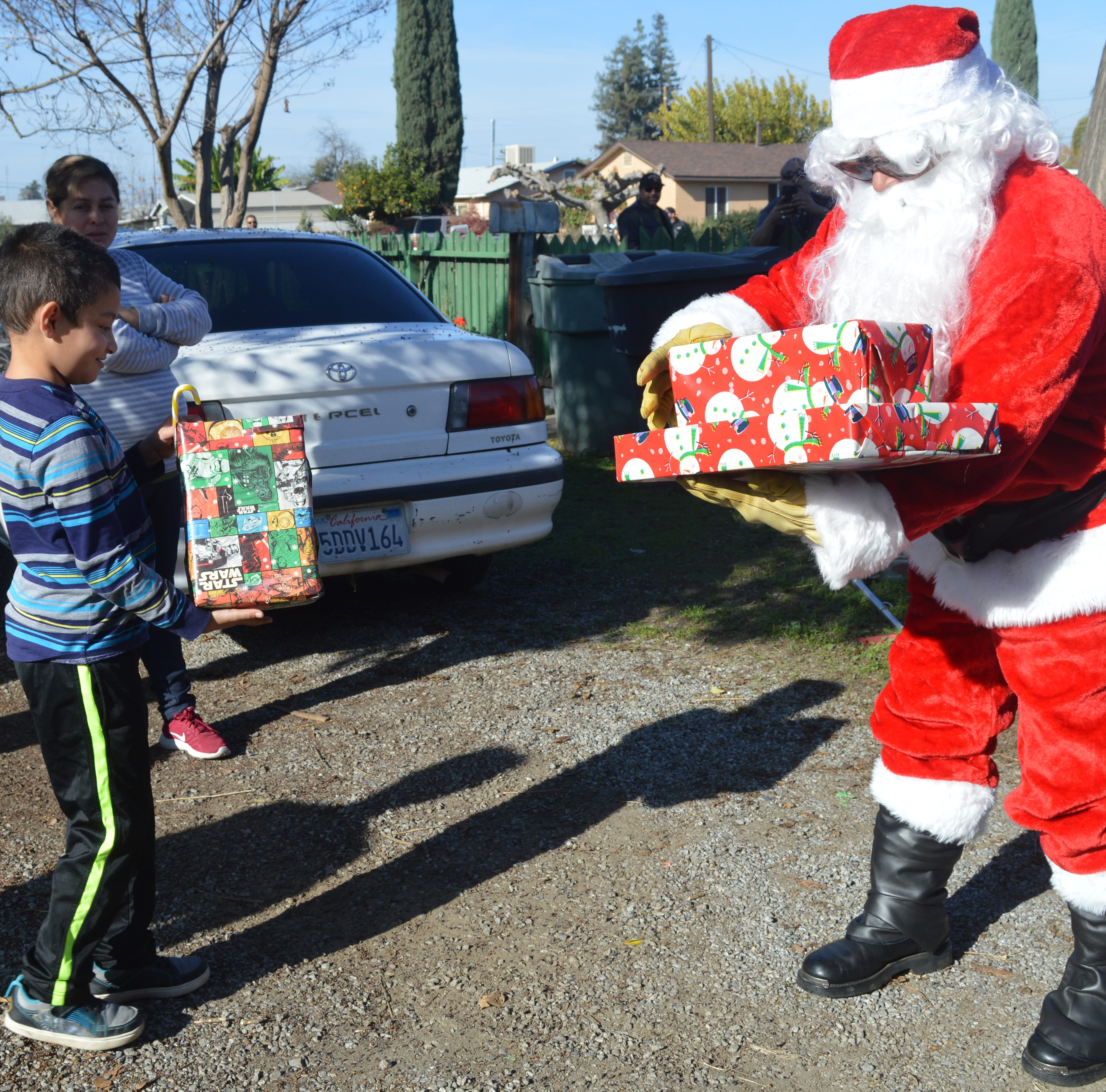Visalia motorcycle clubs goes full ​​​​​​​throttle on holiday cheer