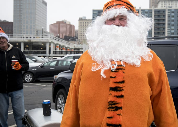 Photos Cincinnati Bengals Vs Oakland Raiders Tailgaters Outside