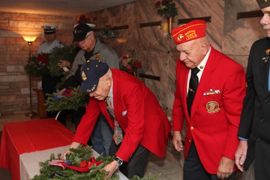 Ww Ii And Korean War Veteran Joe Winn At The Age Of 99 Places A Wreath At Resthaven Memorial Gardens Wreaths Across America Day Ceremony 46