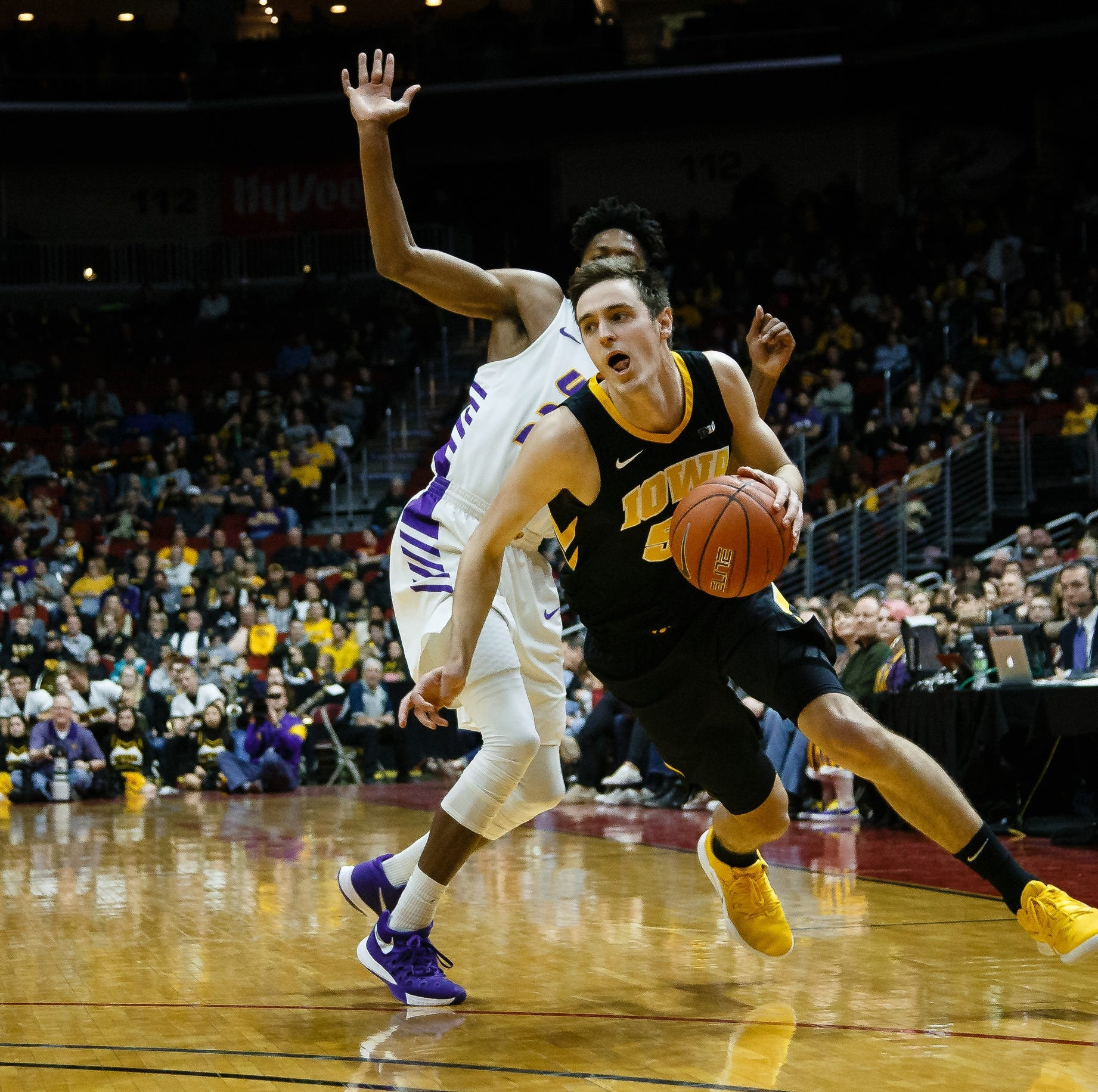 Leistikow: Making defense fun again, Hawkeyes toy with UNI in Hy-Vee Classic finale