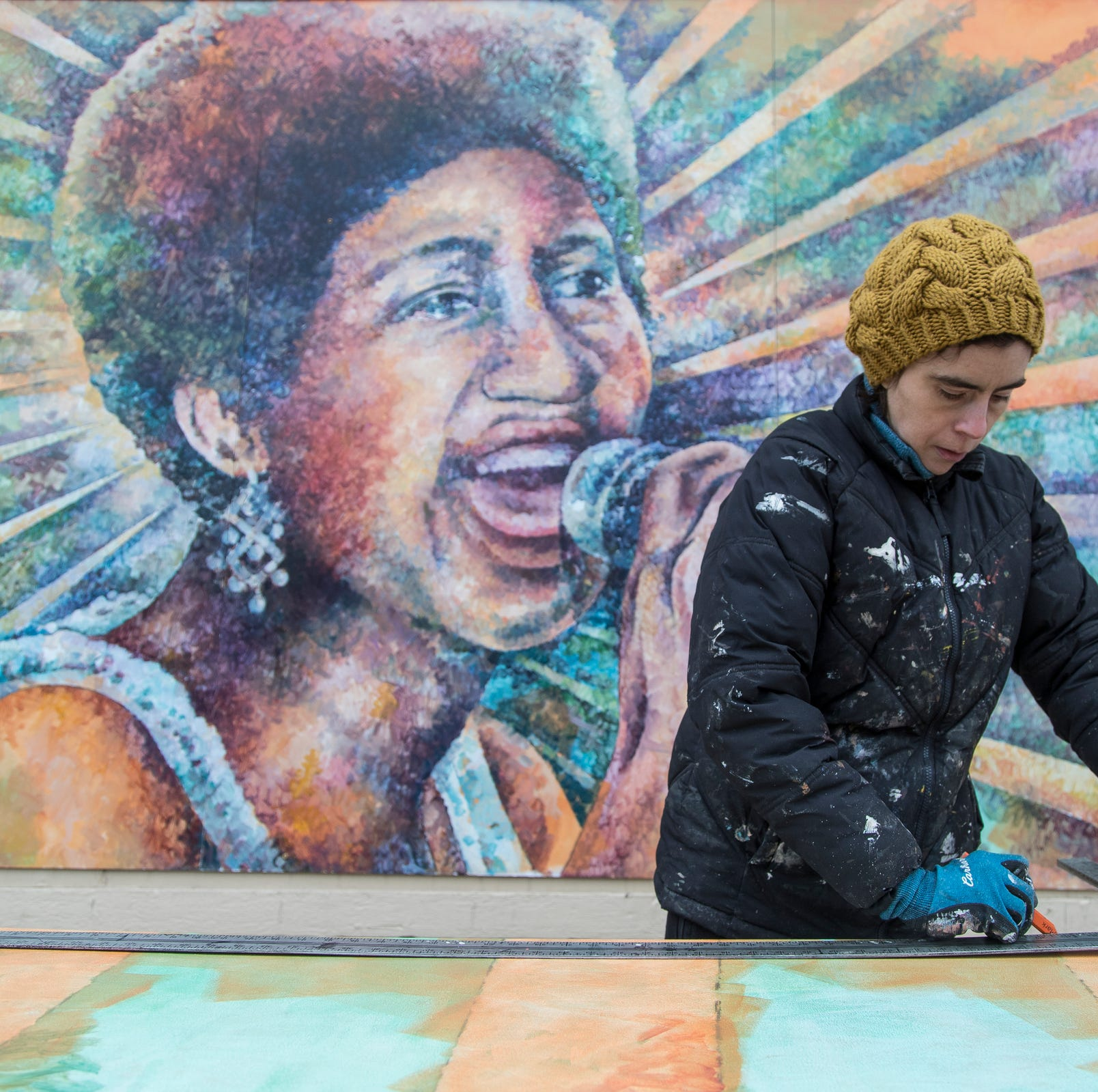 Aretha Franklin, Marvin Gaye paintings brighten tense Detroit border