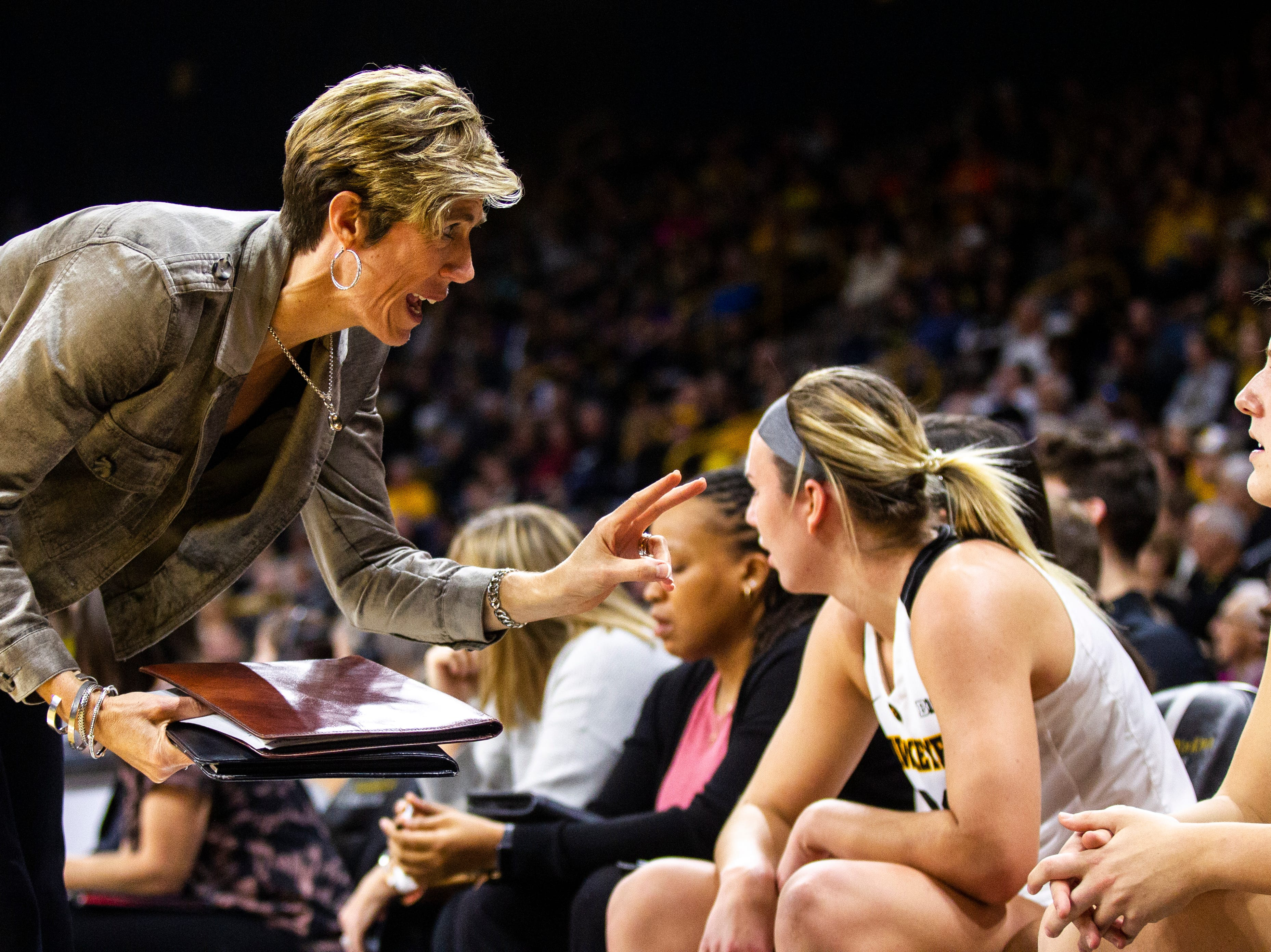 Iowa women's basketball: Hawkeyes searching for road gold as they trek to Minnesota