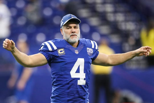 Indianapolis Colts kicker Adam Vinatieri (4) warms up before the Colts faced the Dallas Cowboys in week 15 at Lucas Oil Stadium in Indianapolis, Sunday, Dec. 16, 2018.