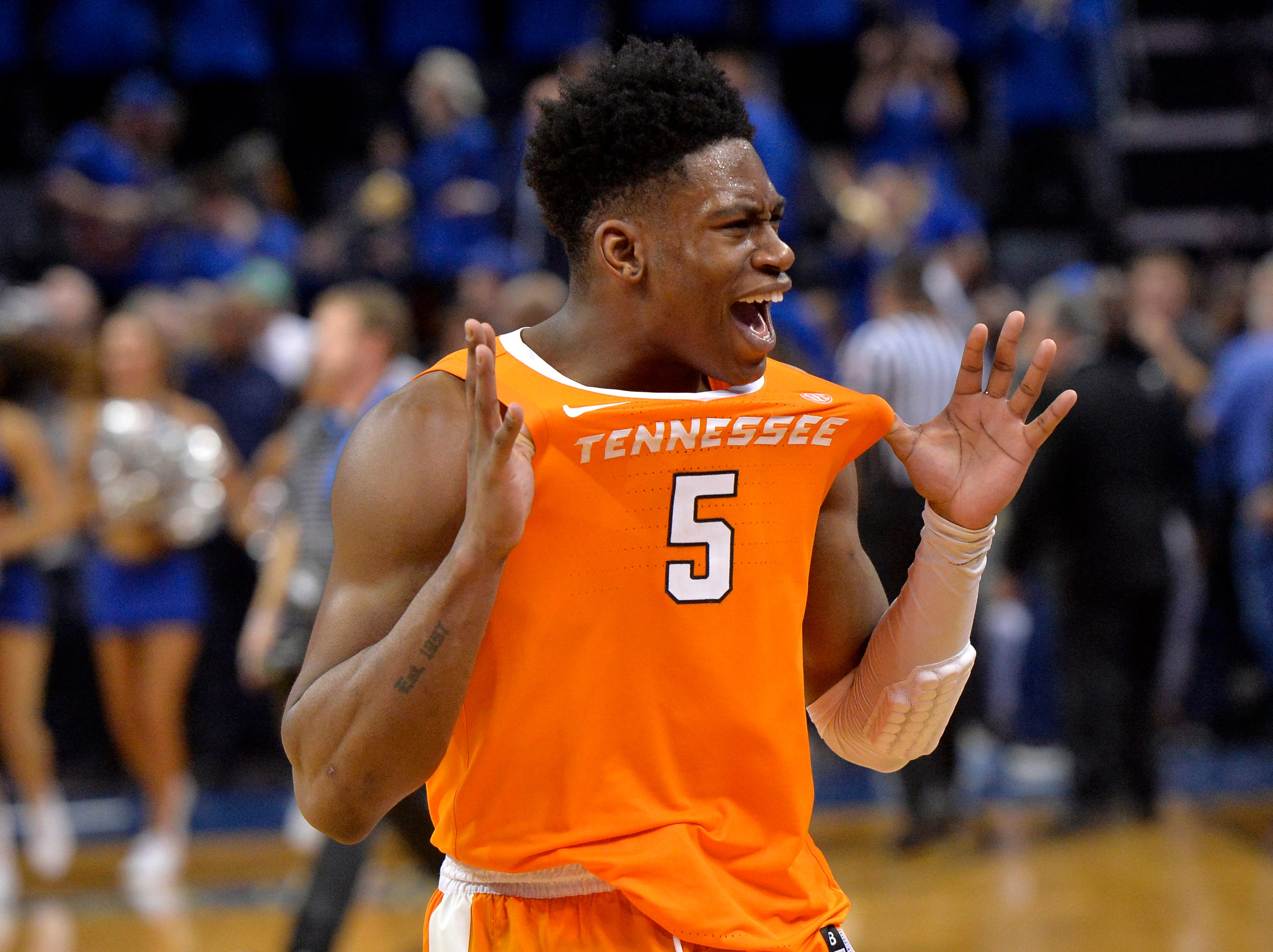 Tennessee guard Admiral Schofield (5) gestures to Memphis fans after an NCAA college basketball game against Memphis Saturday, Dec. 15, 2018, in Memphis, Tenn. Tennessee defeated Memphis 102-92.