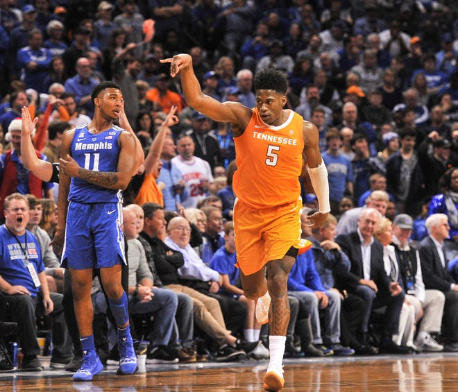 Vols guard Admiral Schofield on Monday was named the SEC player of the week for the second consecutive week.