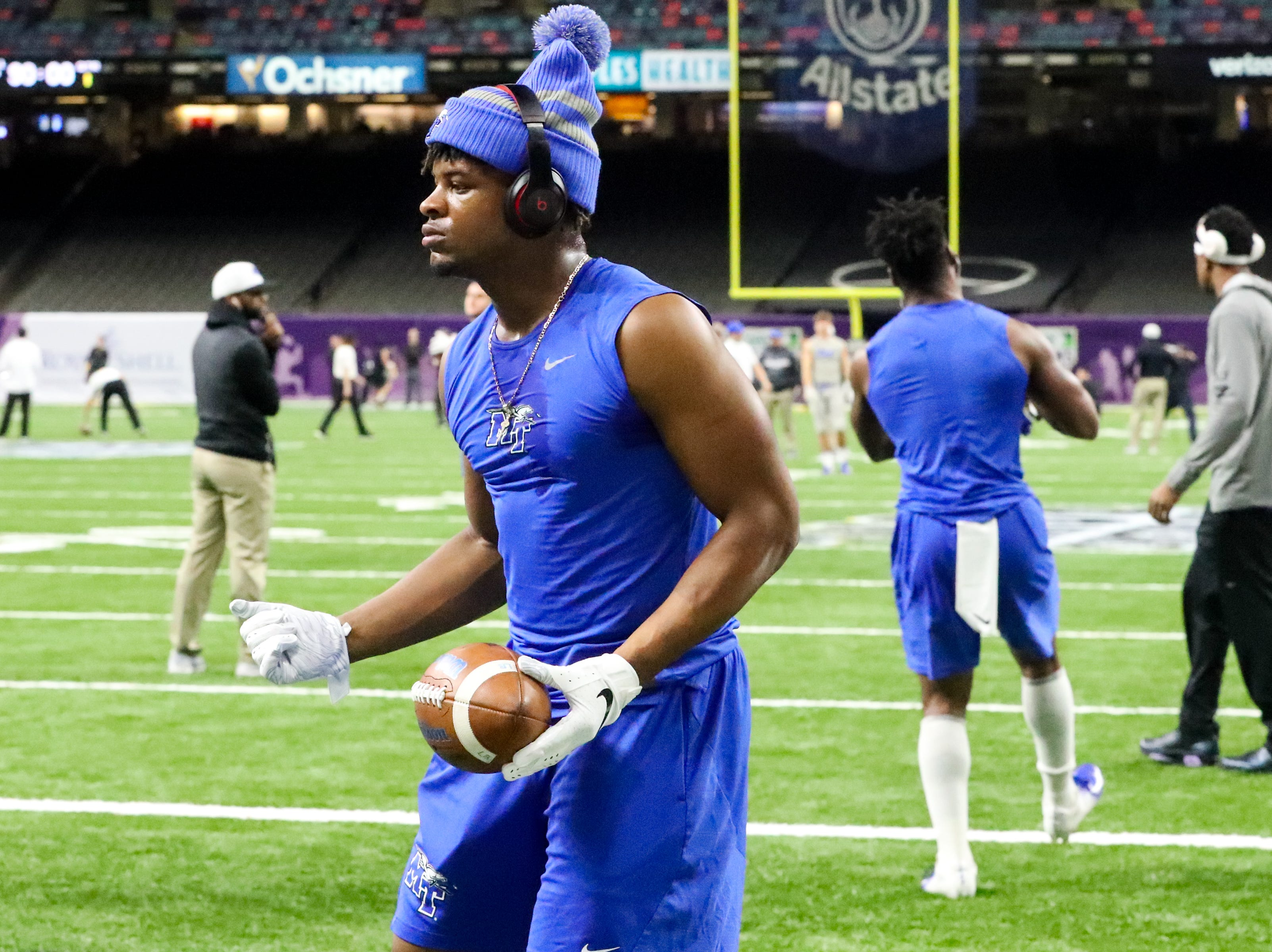 Middle Tennessee Blue Raiders linebacker Wayne Parks (26) warms up before the game at the Mercedes-Benz Superdome Saturday, Dec. 15, 2018, in New Orleans, La.