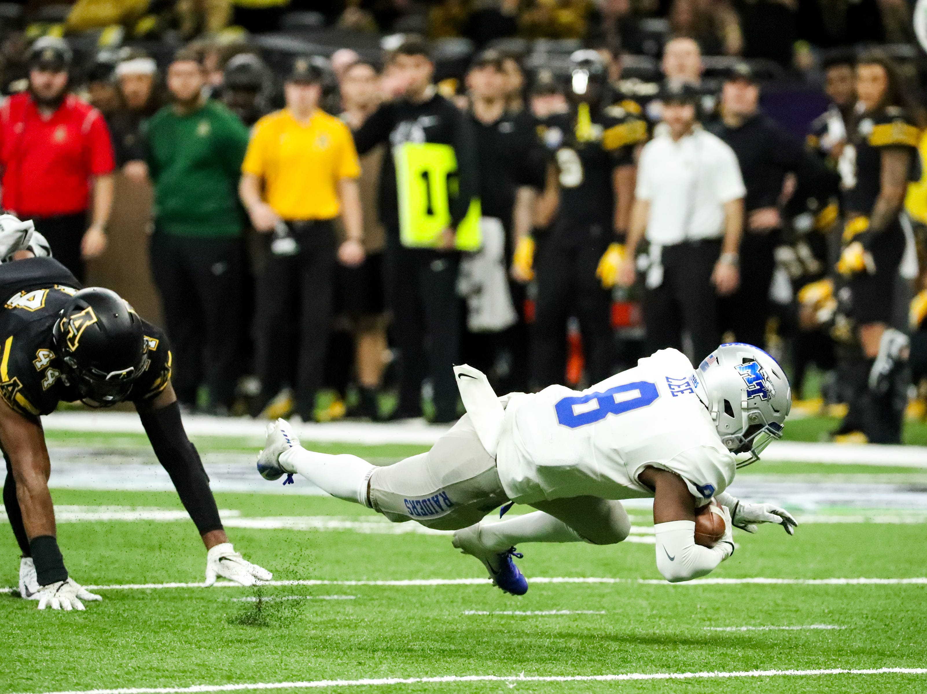 Middle Tennessee Blue Raiders wide receiver Ty Lee (8) makes the catch and runs with the ball during the first half at the Mercedes-Benz Superdome Saturday, Dec. 15, 2018, in New Orleans, La.