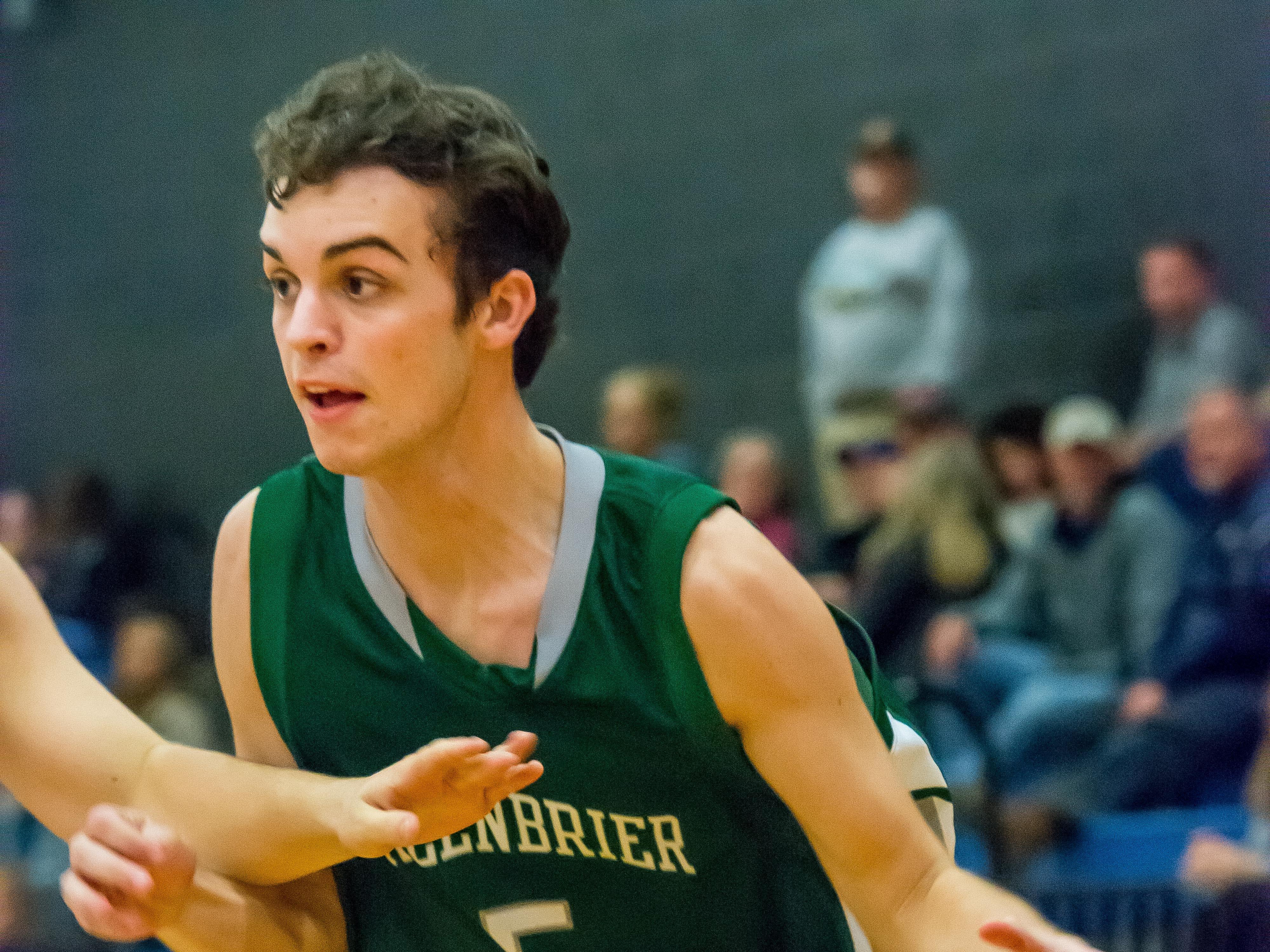 Greenbrier's Jason Hunter drives to the basket against Harpeth.