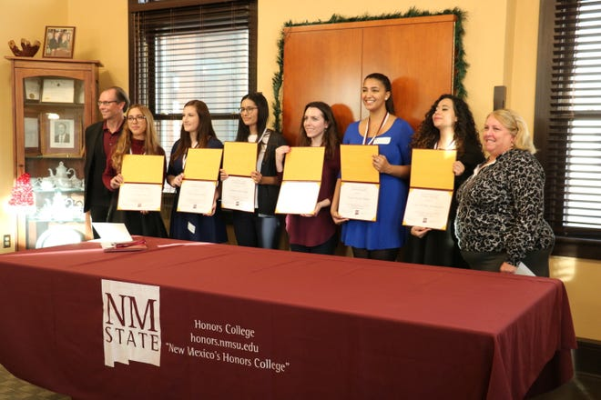 The William Conroy Honors College at New Mexico State University hosted a ceremony last week to recognize students graduating with University Honors and Honors with Distinction. Each student completed a senior capstone project that is an original work and appropriate for their discipline and their professional goals.