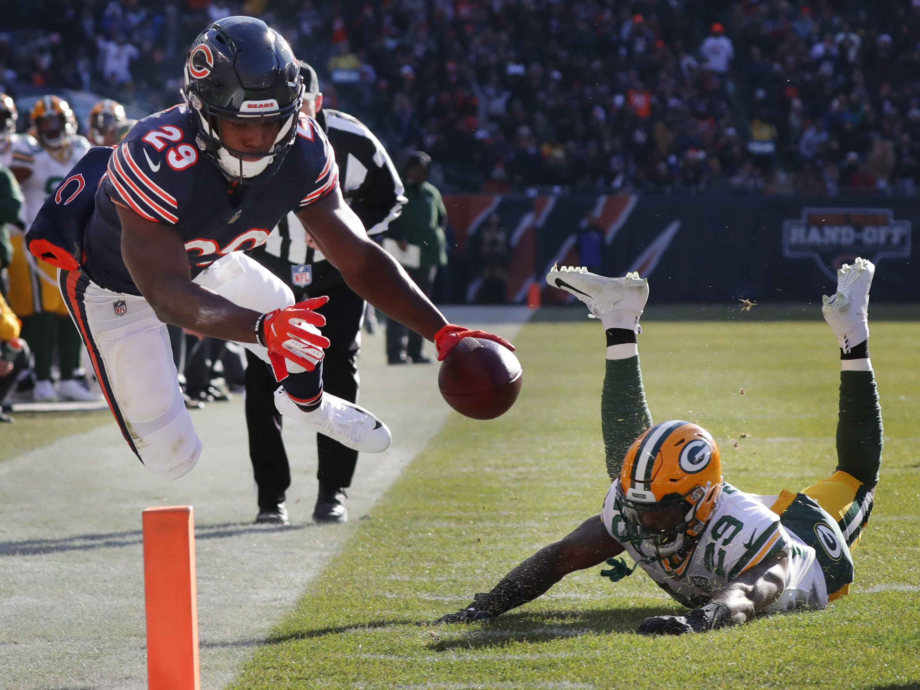 Chicago Bears running back Tarik Cohen (29) leaves Green Bay Packers strong safety Kentrell Brice (29) is his wake while scoring a touchdown on a 12-yard reception during the second quarter of their game Sunday, December 25, 2018 at Soldier Field in Chicago, Ill.  MARK HOFFMAN/MILWAUKEE JOURNAL SENTINEL