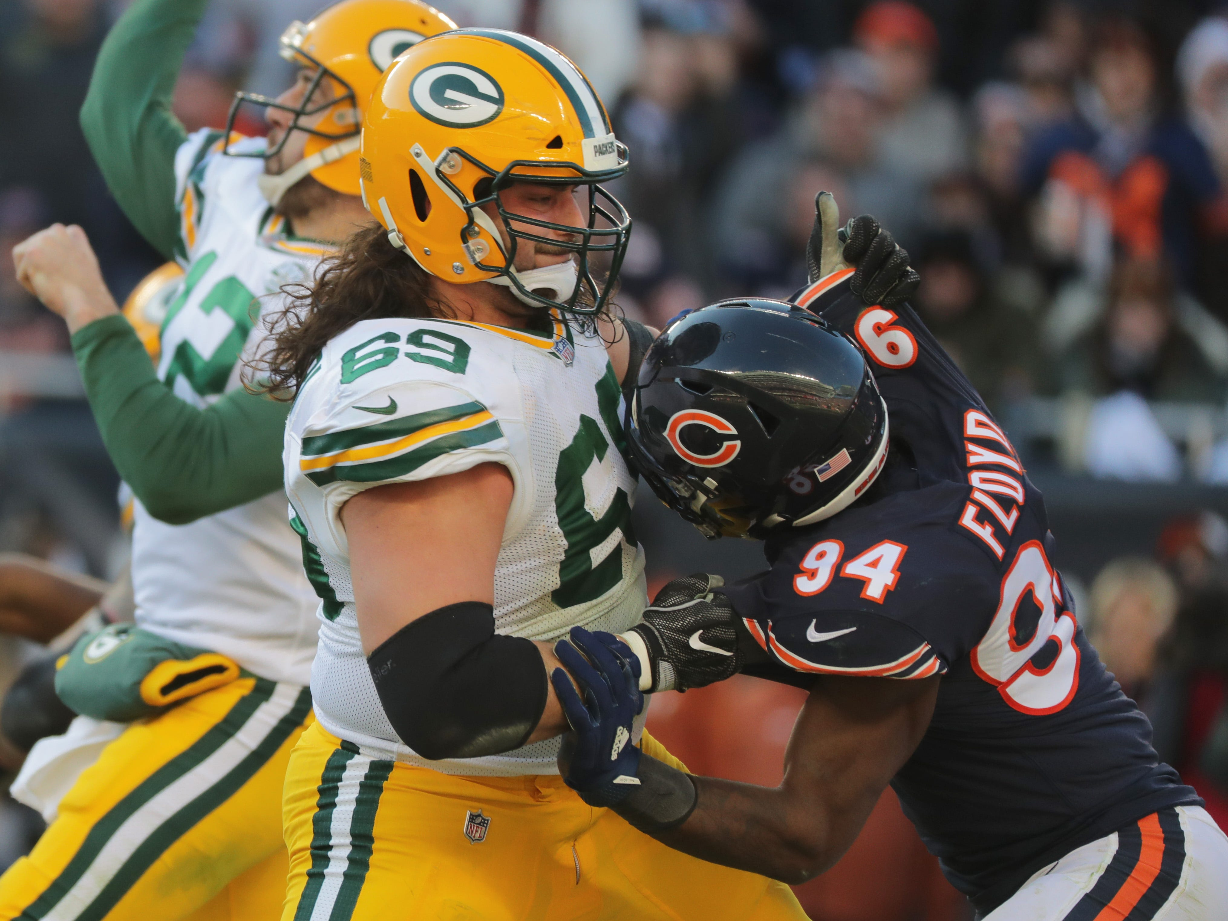 Green Bay Packers offensive tackle David Bakhtiari (69) blocks Chicago Bears outside linebacker Leonard Floyd (94) during the fourth quarter of their game Sunday, December 25, 2018 at Soldier Field in Chicago, Ill. The Chicago Bears beat the Green Bay Packers 24-17.  MARK HOFFMAN/MILWAUKEE JOURNAL SENTINEL