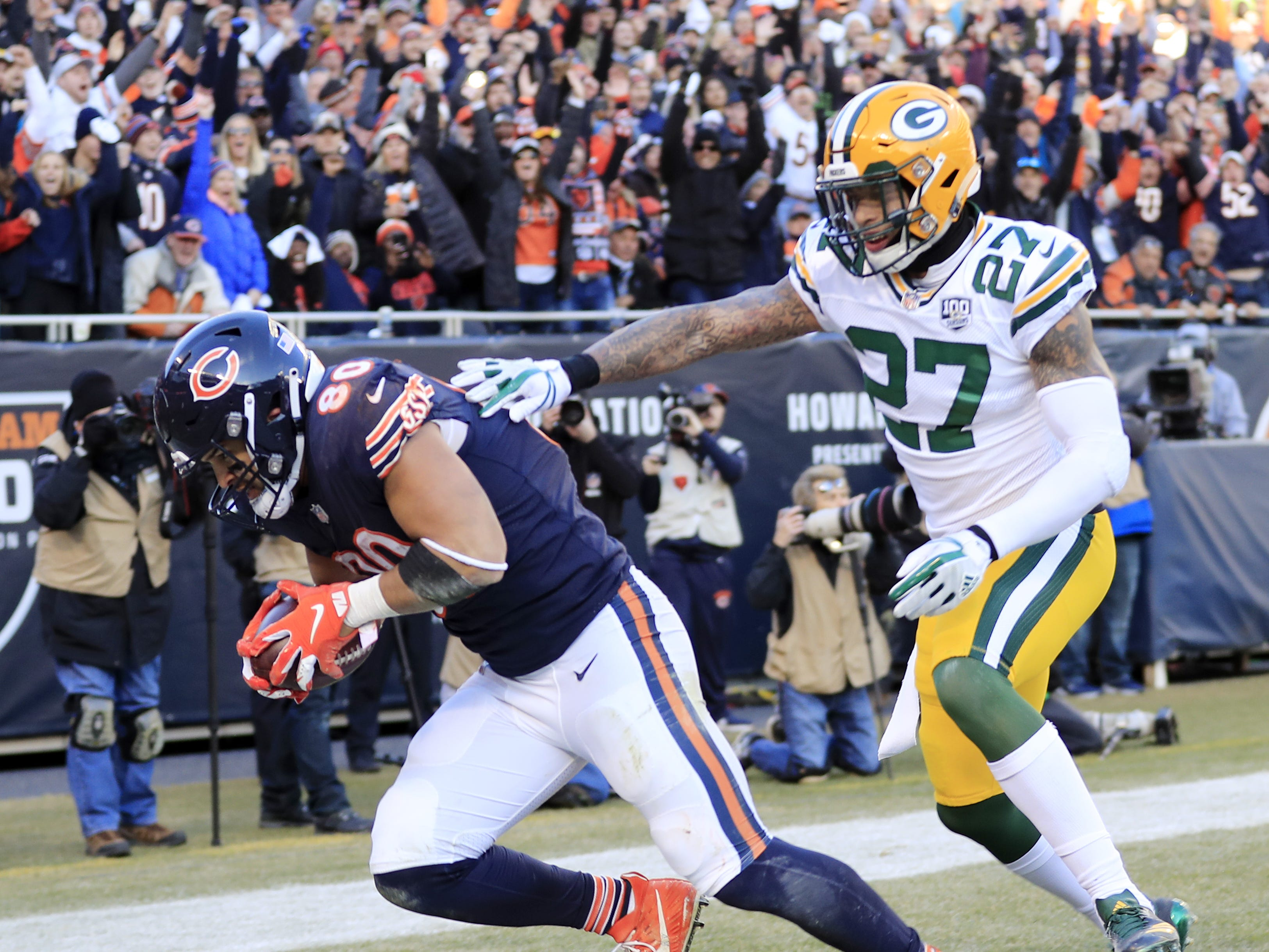 Chicago Bears tight end Trey Burton (80) catches a touchdown against Green Bay Packers defensive back Josh Jones (27) in the fourth quarter at Soldier Field on Sunday, December 16, 2018 in Chicago, Illinois. Adam Wesley/USA TODAY NETWORK-Wis