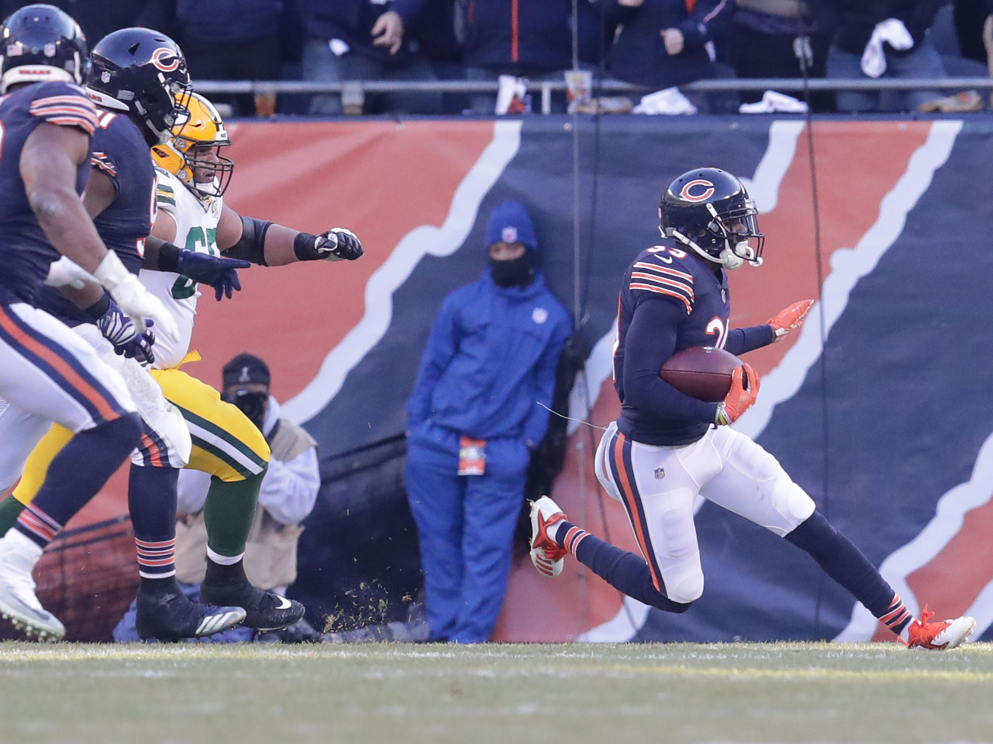 Chicago Bears' Eddie Jackson runs with the ball after and interception of Aaron Rodgers pass during the 2nd half of the Green Bay Packers 24-17 loss to the Chicago Bears at Soldier Field Sunday, Dec. 16, 2018, in Chicago. Photo by Mike De Sisti / The Milwaukee Journal Sentinel
