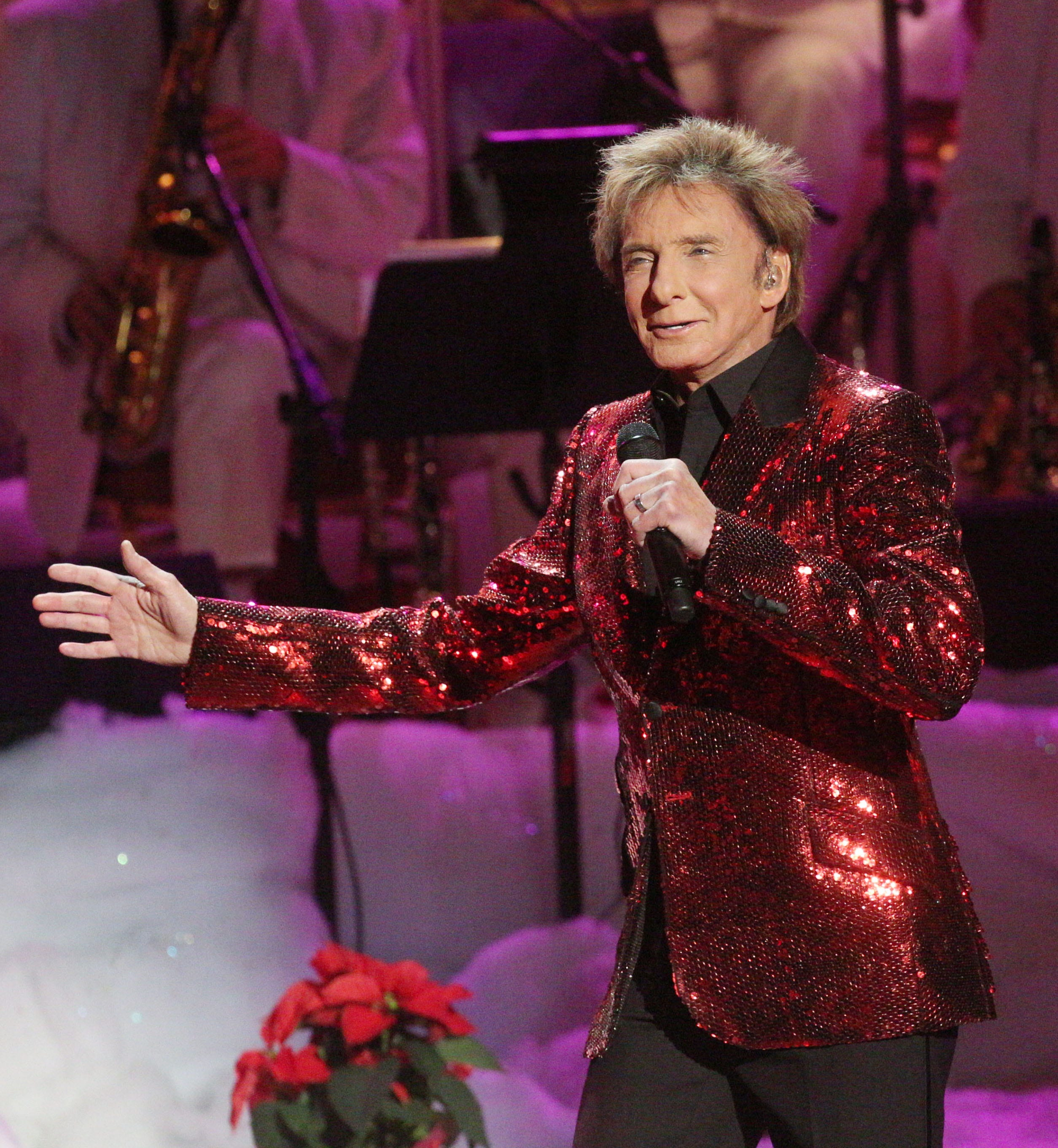 e6aafd0ade87 Barry Manilow - BarryNet - Feedback - Articles and Reviews