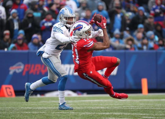 Bills receiver Zay Jones can't hold on to the I pass over the middle.