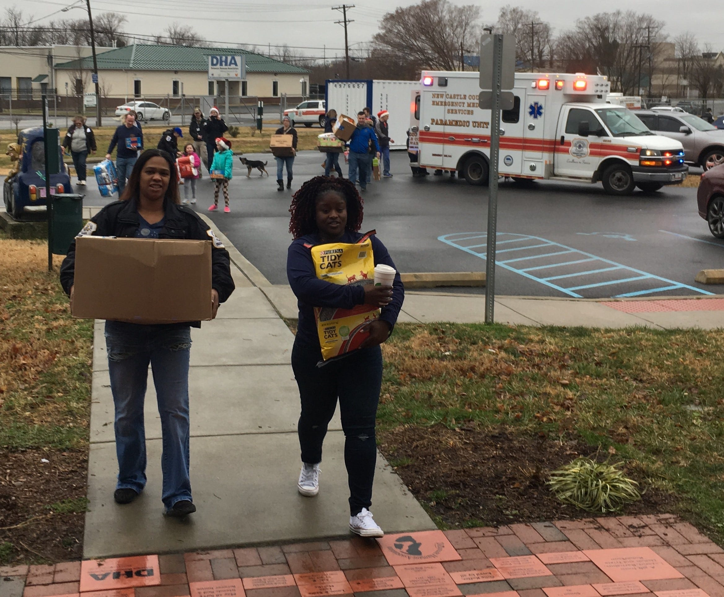Two paramedics apply to adopt dogs after donating to Delaware Humane Association | Delaware Online