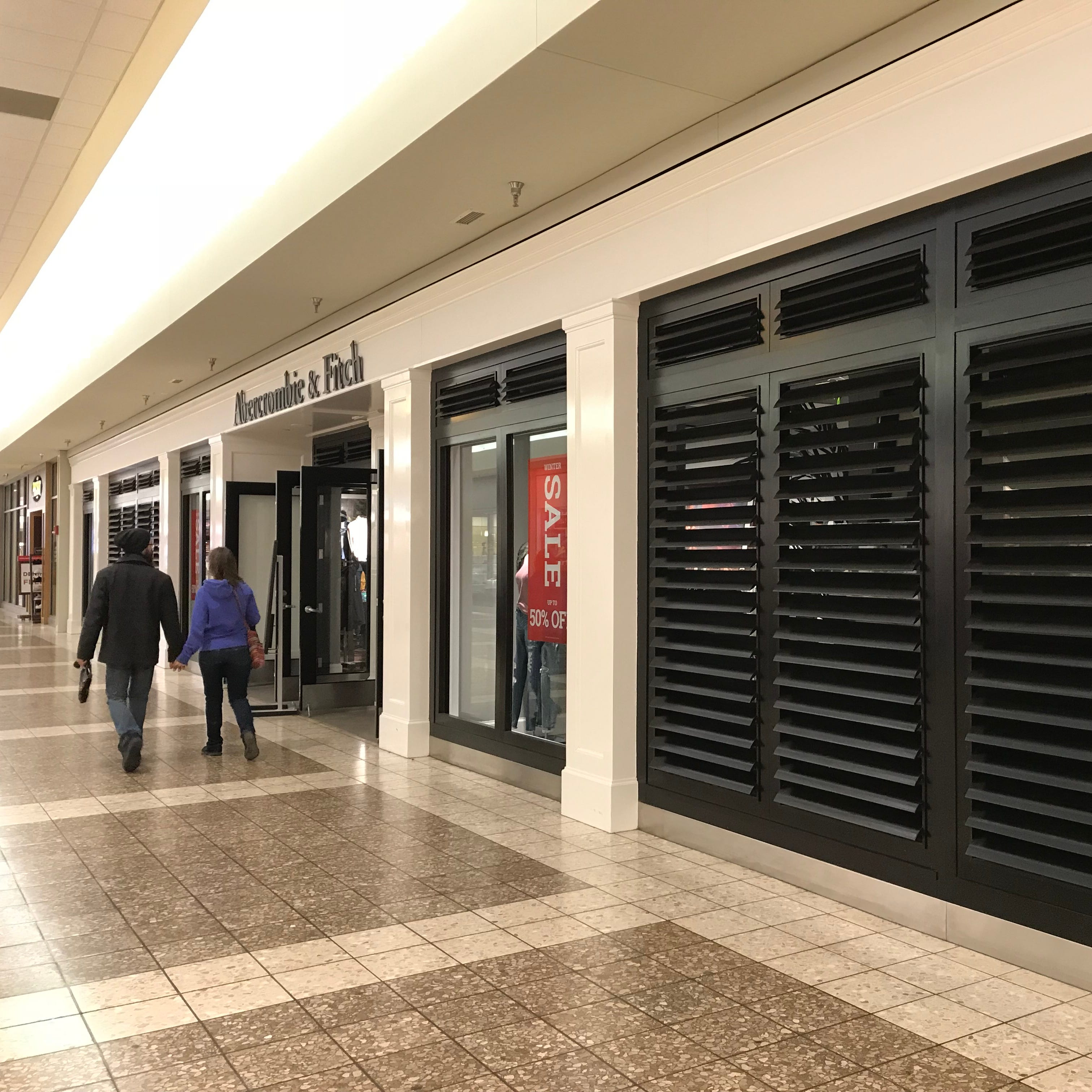 The Buzz: Abercrombie & Fitch store to close in Fox River Mall