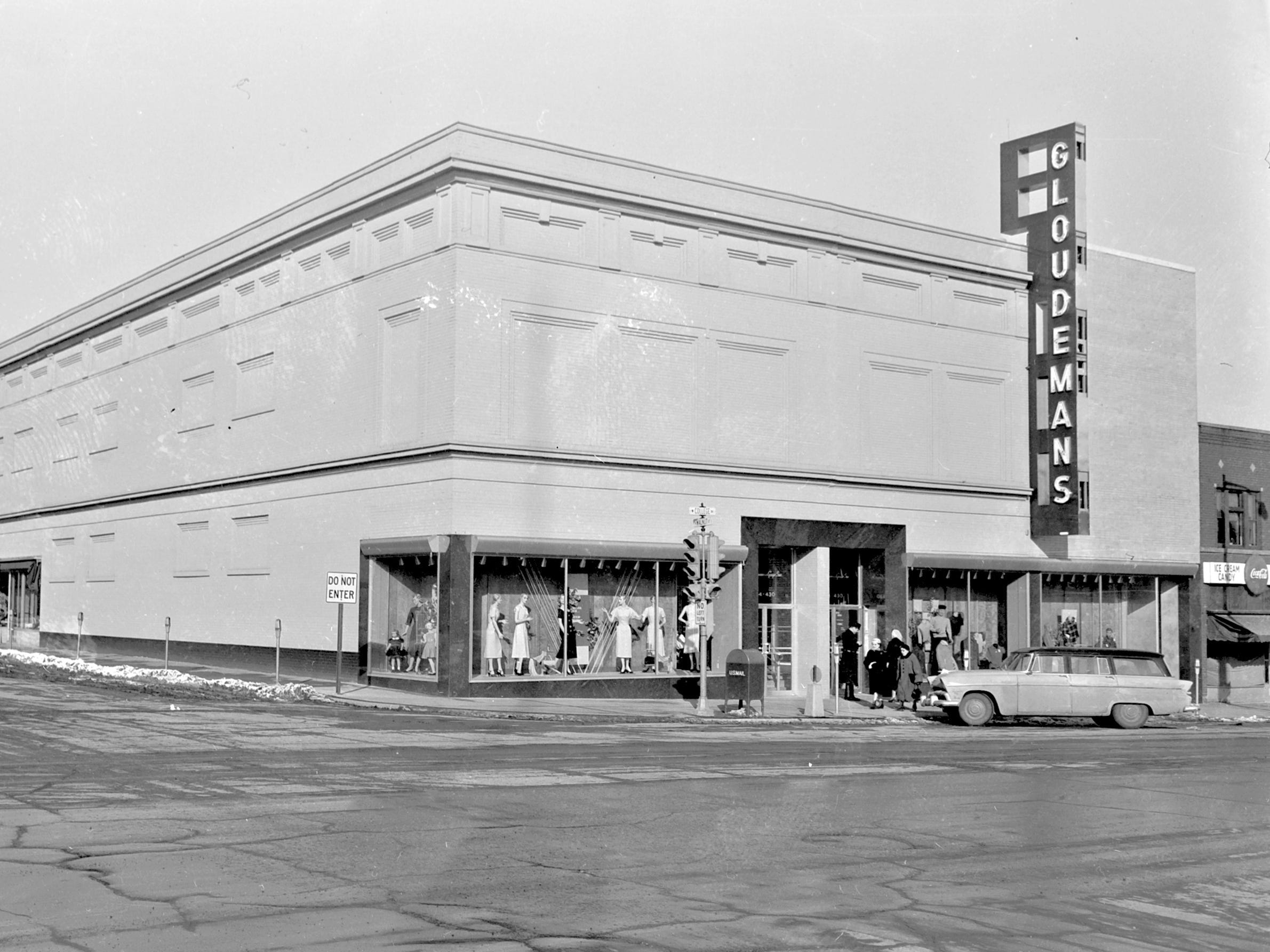 1957 Downtown Appleton. 400 West block on the north side of College Avenue: Gloudeman's on the corner of Walnut Street and College Avenue.  Post-Crescent photo