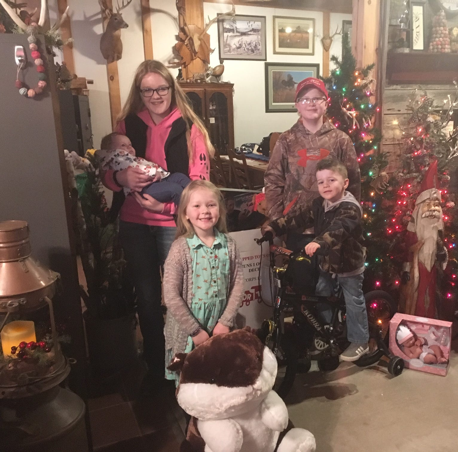 Manitowoc outdoors: Joe's Clays collects toys, $400 for Salvation Army