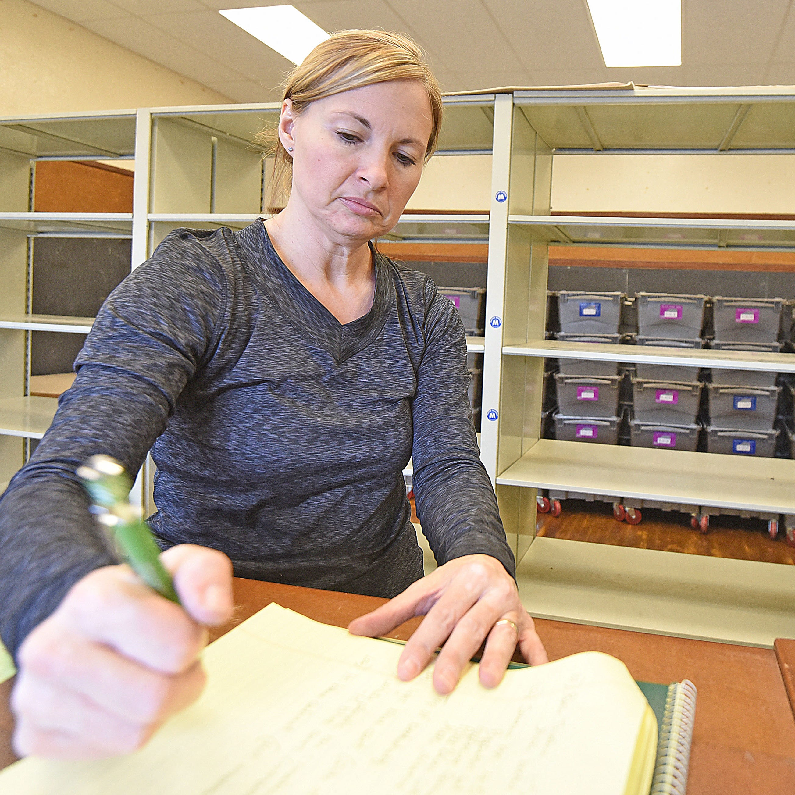Moving stories: Clear Fork teachers begin packing up for move to new elementary schools