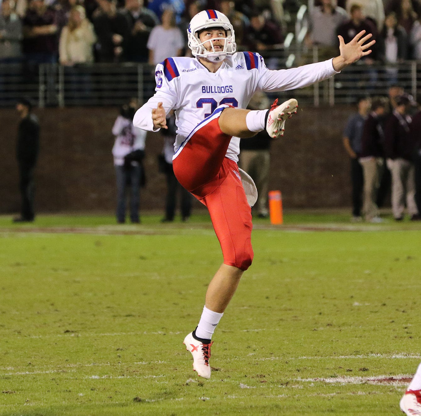 Louisiana Tech punter Davan Dyer goes from Down Under to Over Here