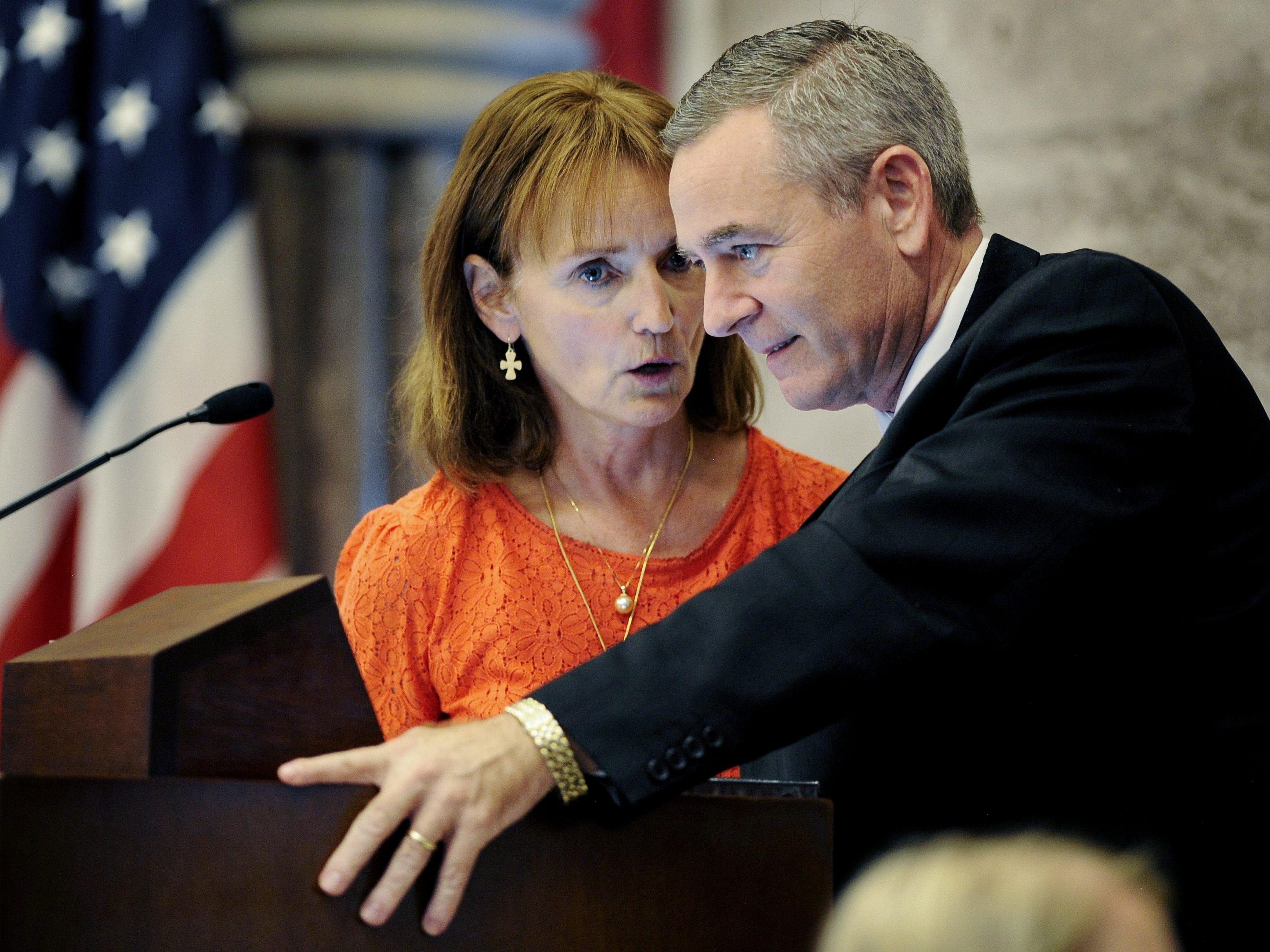 House Speaker Beth Harwell, left, talks with Rep. Glen Casada during a special session of the legislature Sept. 12, 2016.