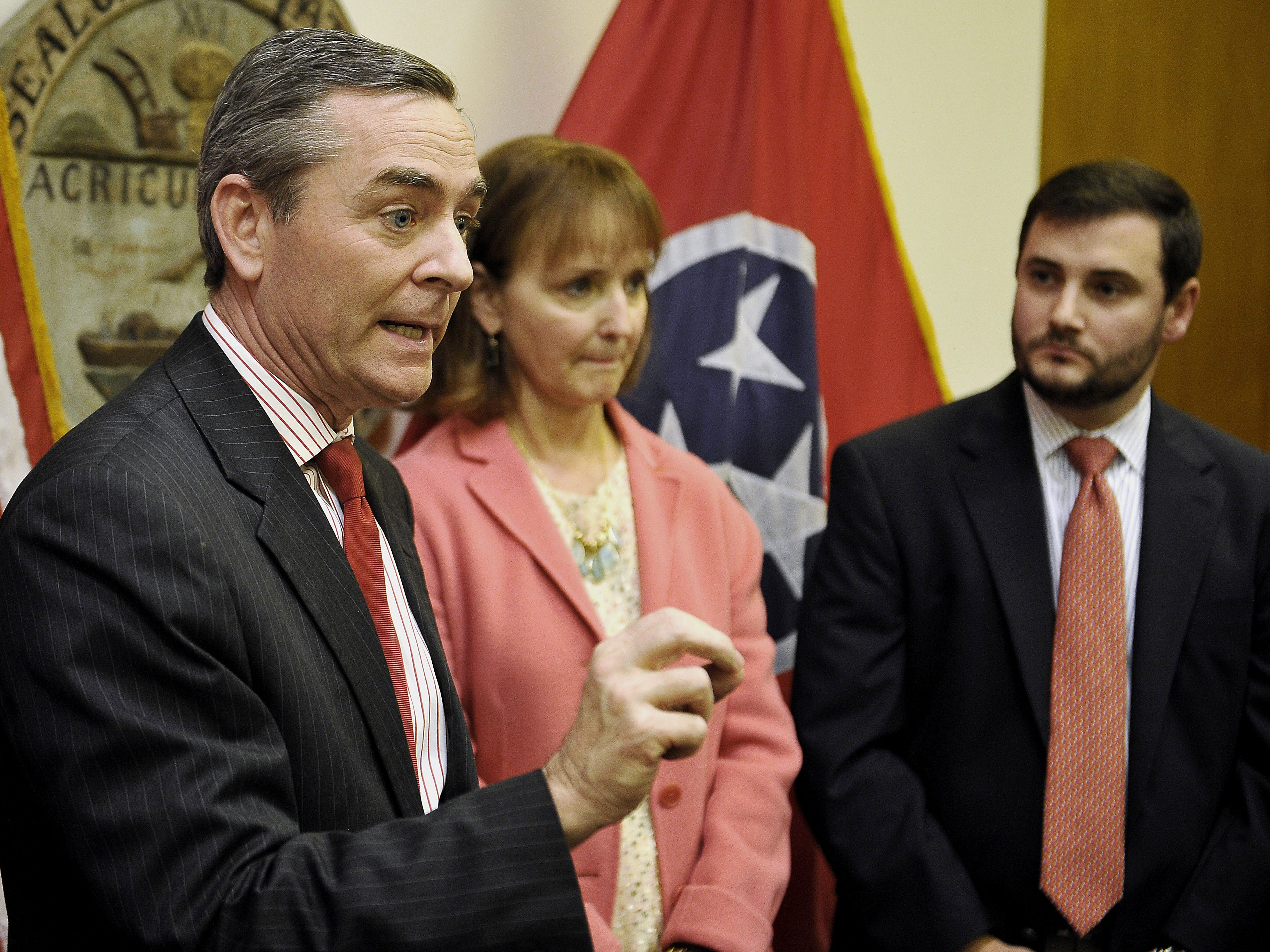 Rep. Glen Casada, House Speaker Beth Harwell and Ryan Haynes, Tennessee Republican Party chairman, call for Rep. Jeremy Durham, R-Franklin, to resign his seat in the legislature Jan. 25, 2016.