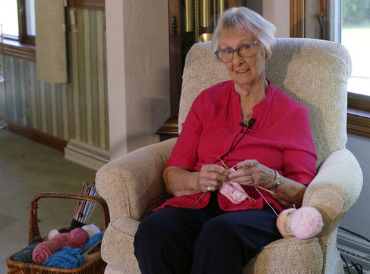 Osh Knitting Beanies For Babies 091218 Js 0026b