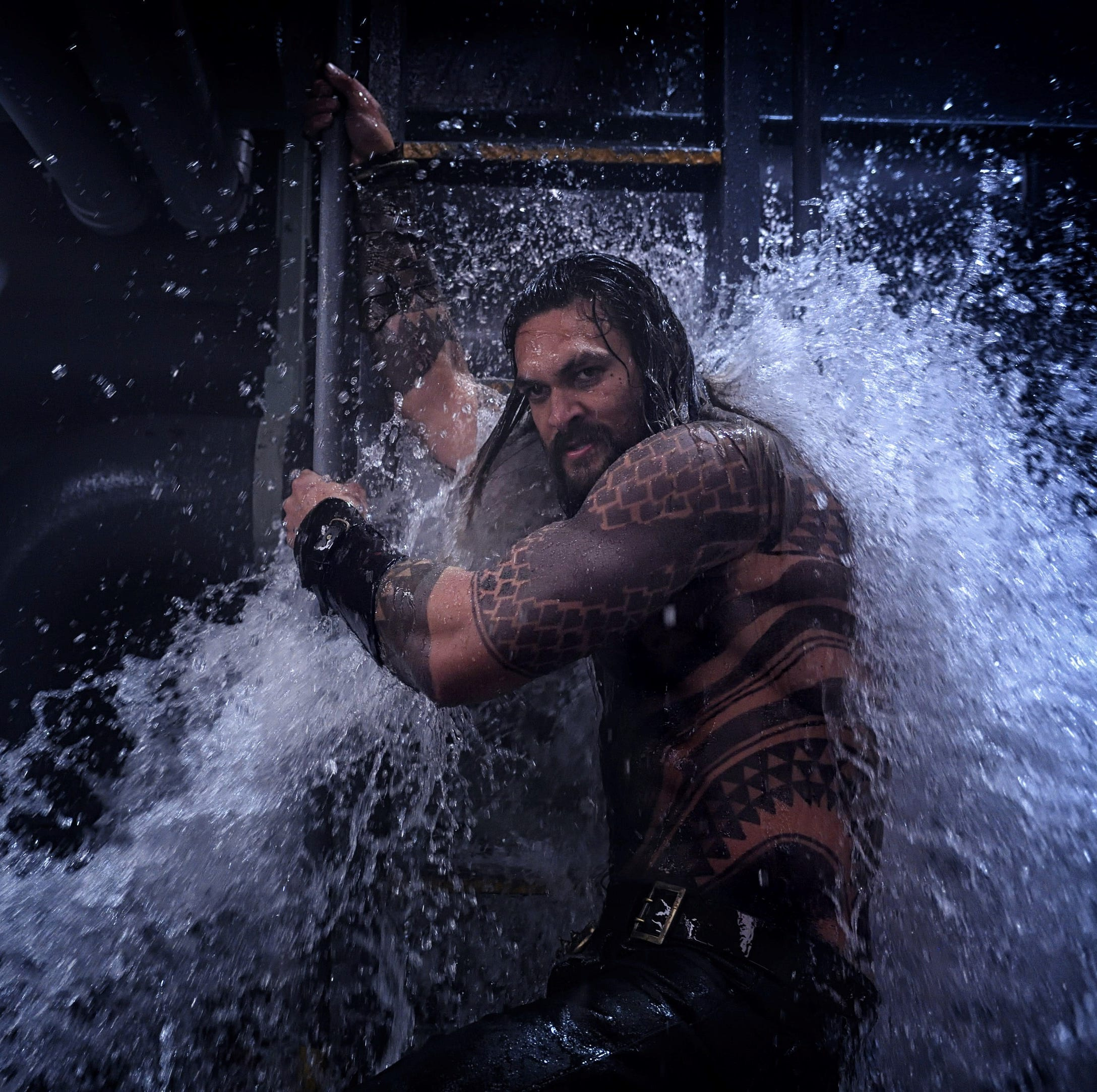 'Aquaman' review: Call a lifeguard, because this superhero is drowning