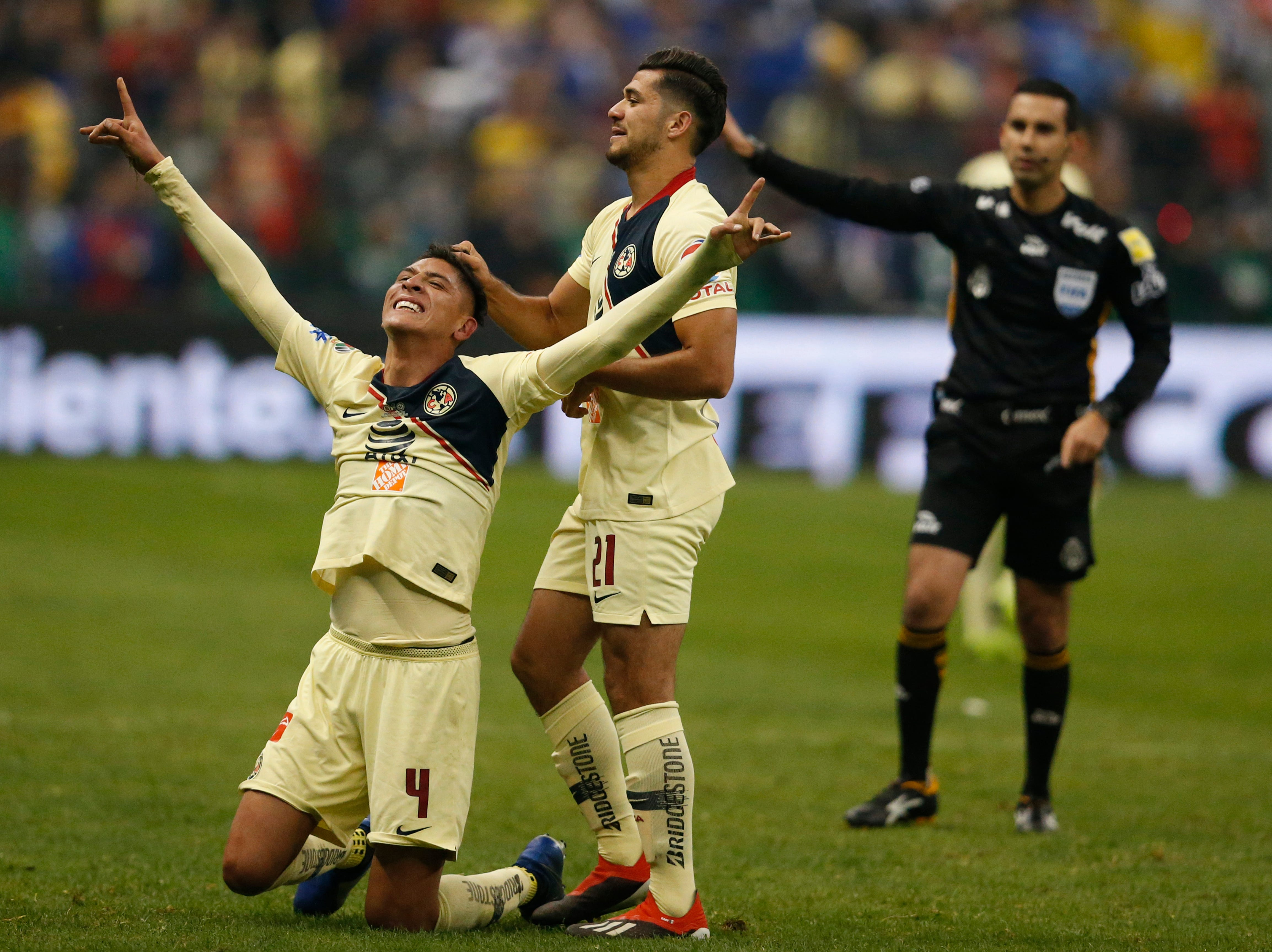 América derrotó 2-0 al Cruz Azul en la vuelta de la final y se proclamó campeón por 13ra vez en México.