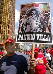 Pancho Villa es visto como un emblema de la revolución en muchas partes de latinoamérica.